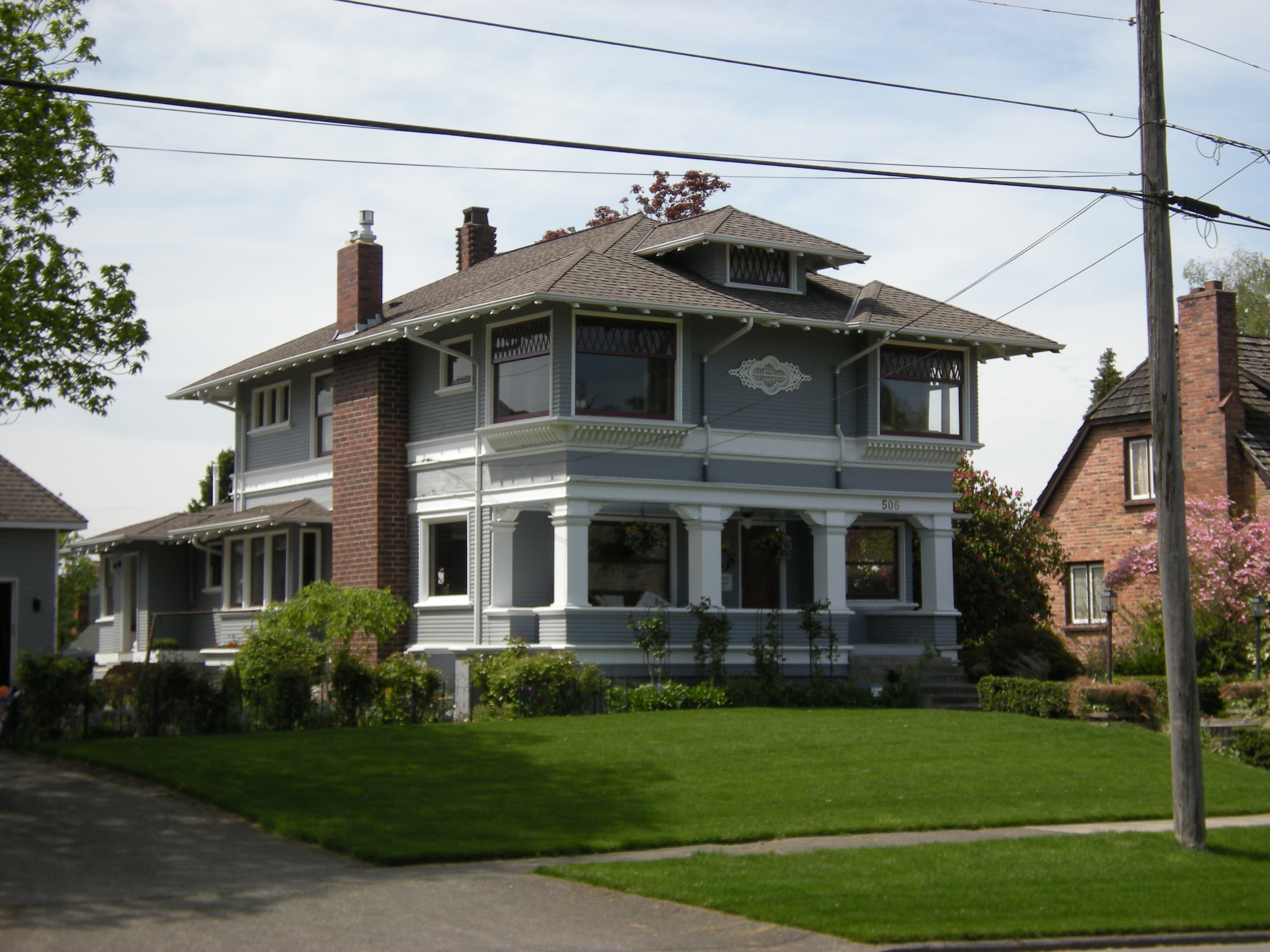 1000 images about american foursquare houses on pinterest for Foursquare home plans