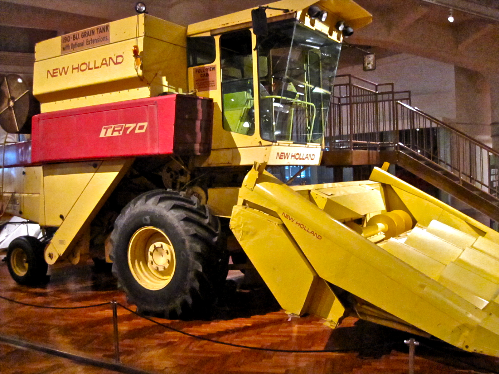 File Sperry New Holland Combine 1975 Jpg Wikimedia Commons