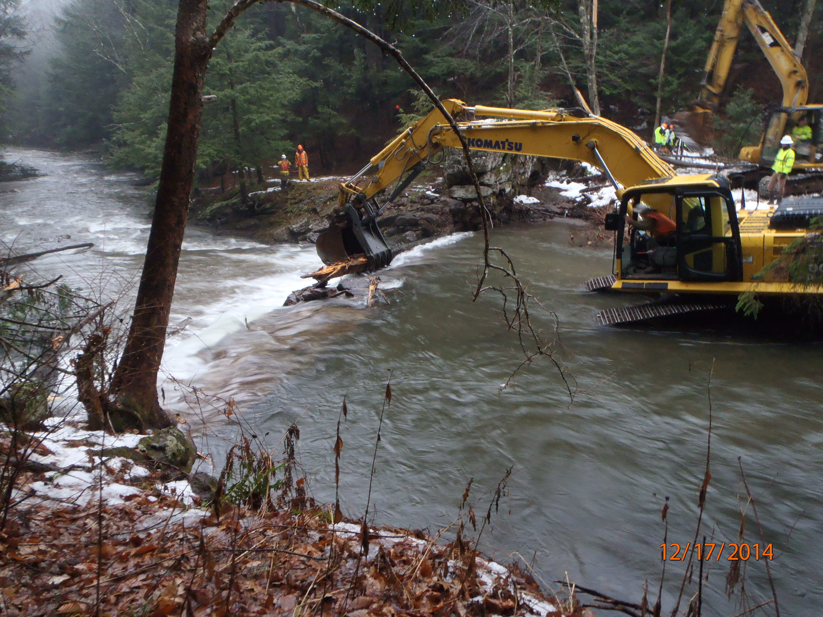 File:Spillway removal at the Fall River Dam (6).jpg
