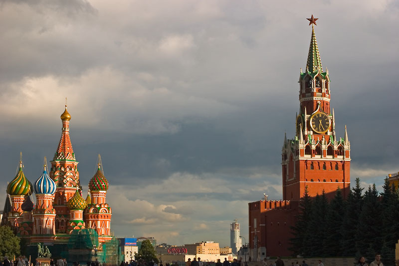 File:StBasile SpasskayaTower Red Square Moscow.hires.jpg