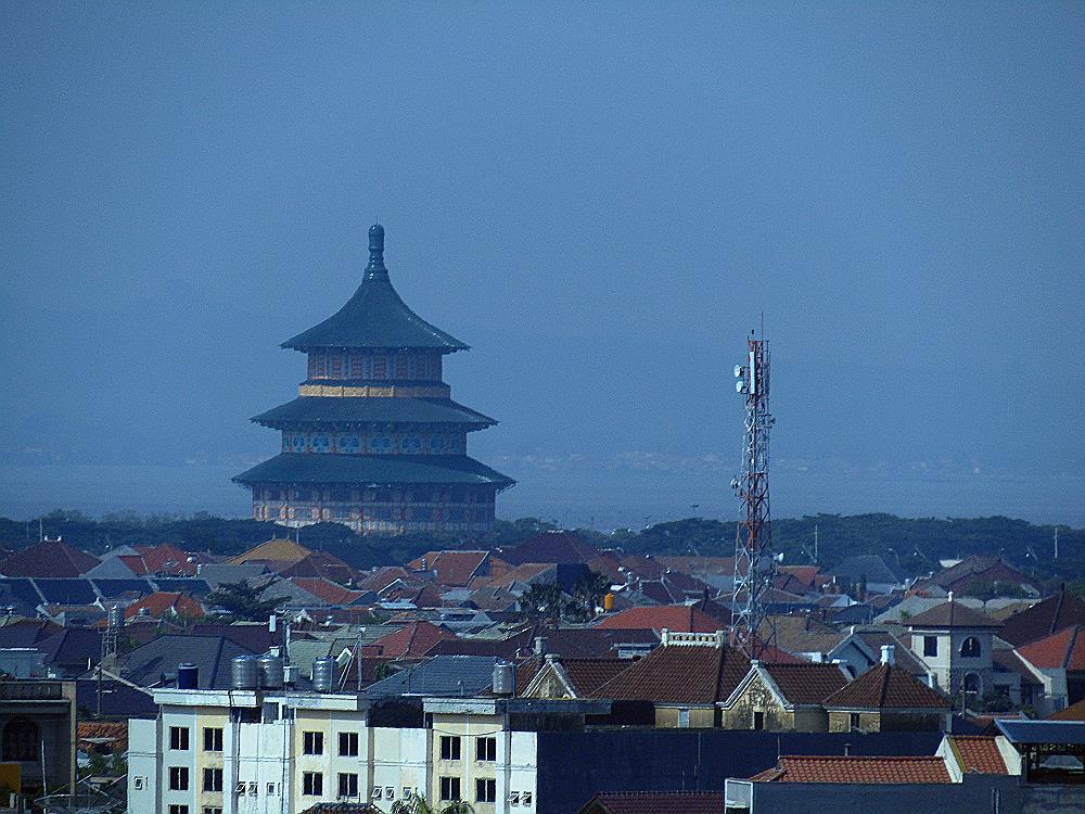 file temple of heaven pagoda tian ti surabaya jpg wikimedia commons