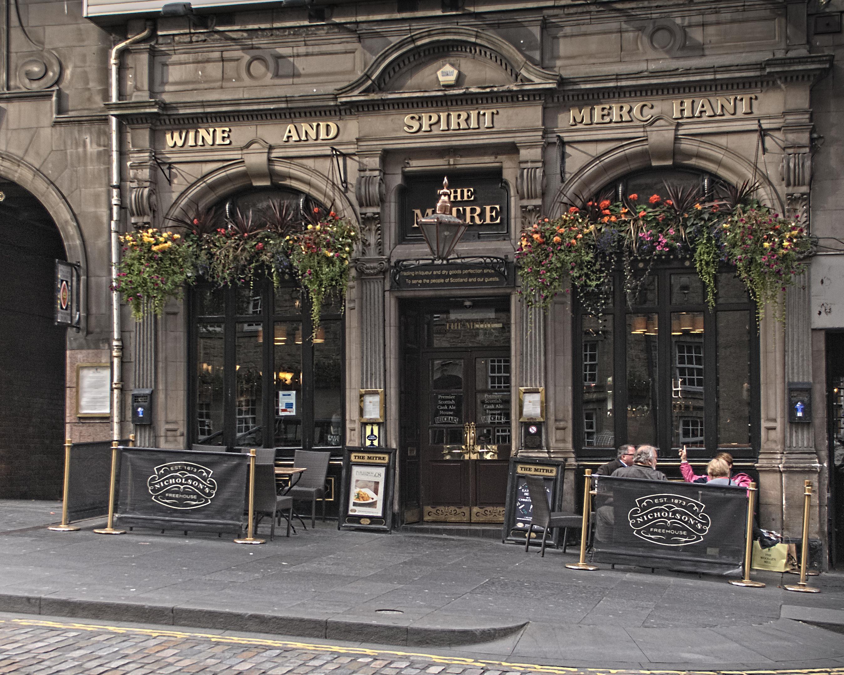 File The Mitre Bar  Edinburgh Jpeg