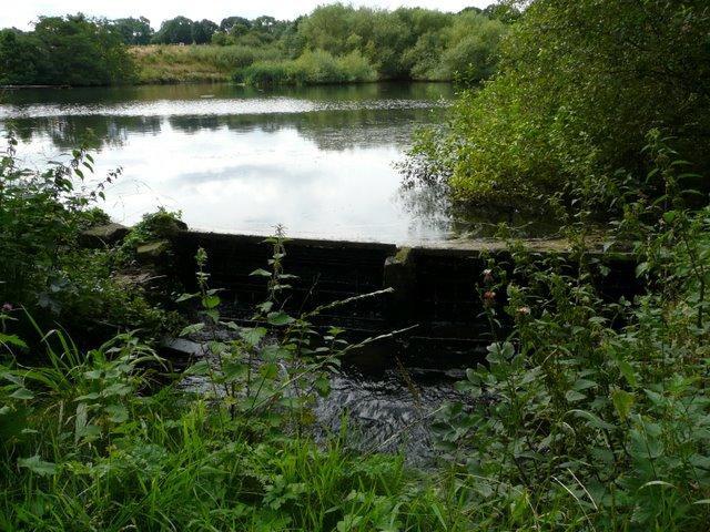 The dam at Gunthwaite Dam - geograph.org.uk - 935588