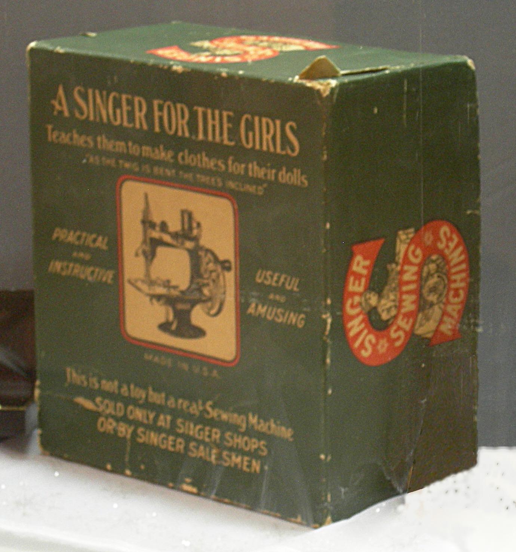 FileTiny Singer sewing machine box.jpg & File:Tiny Singer sewing machine box.jpg - Wikimedia Commons Aboutintivar.Com