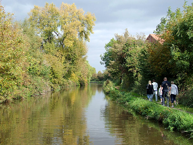 Trent and Mersey Canal at Shobnall, Staffordshire - geograph.org.uk - 1553392