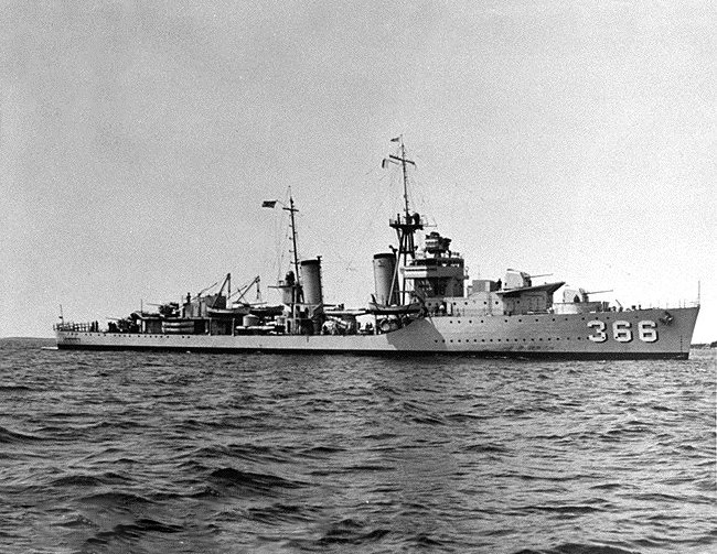 USS_Drayton_%28DD-366%29_underway_at_slow_speed_on_5_August_1936.jpg