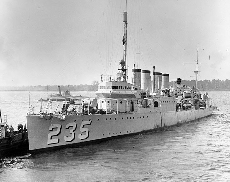 Photo NH 64544: USS Kane leaving the Philadelphia Navy Yard, 9 June 1932.
