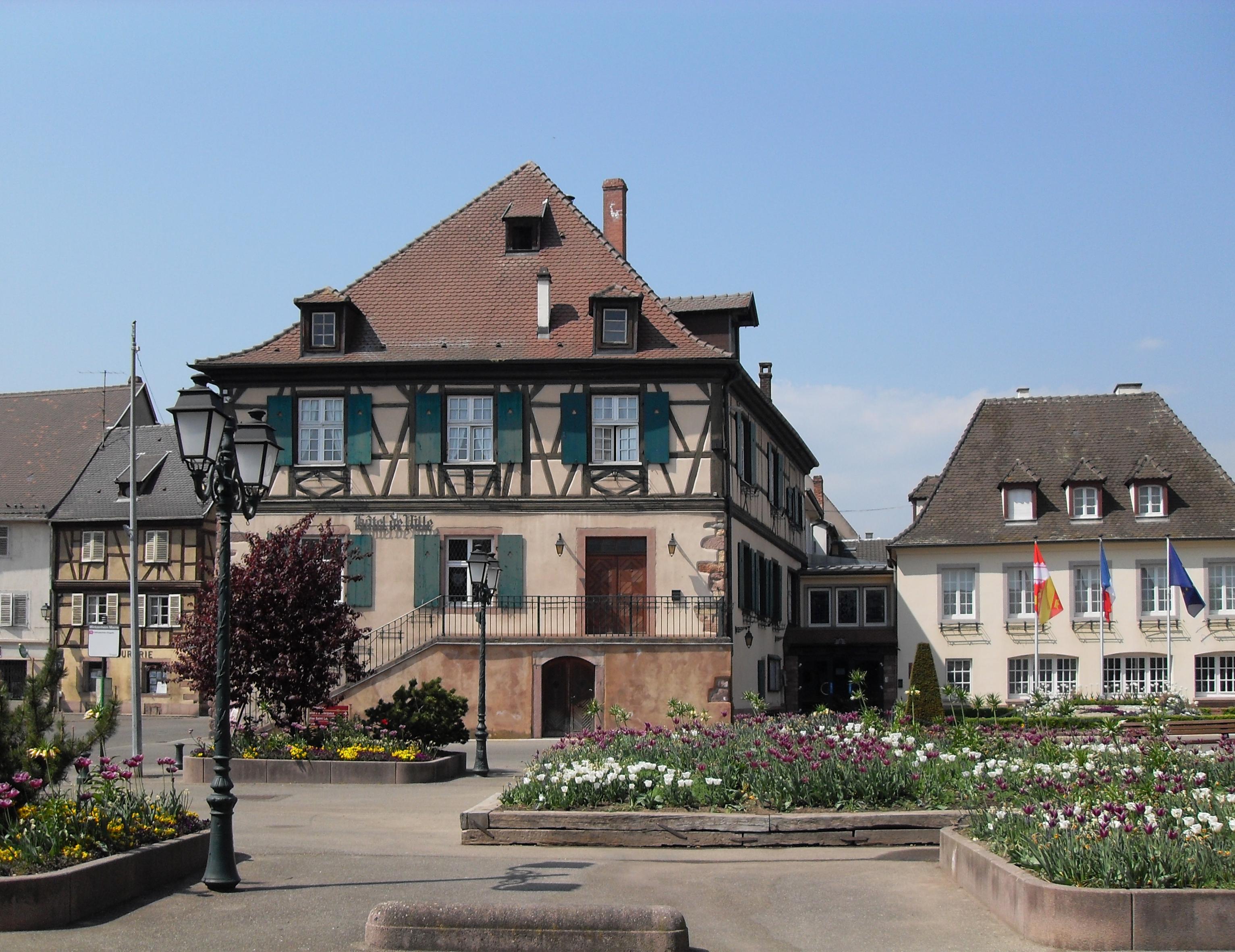File wintzenheim h tel de wikimedia commons for Hotel de ville