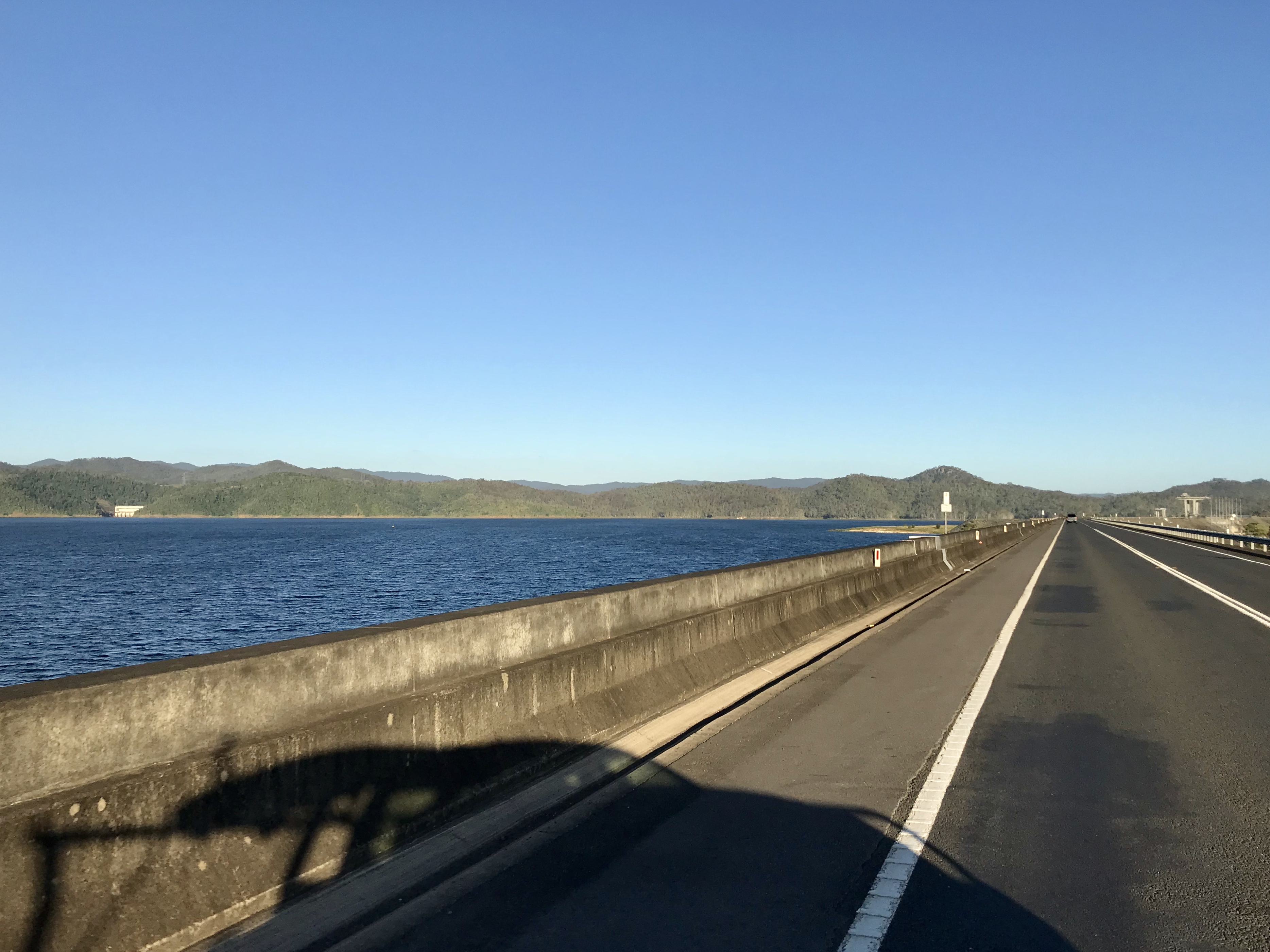 File:Wivenhoe Dam and Lake Wivenhoe, Queensland 02 jpg