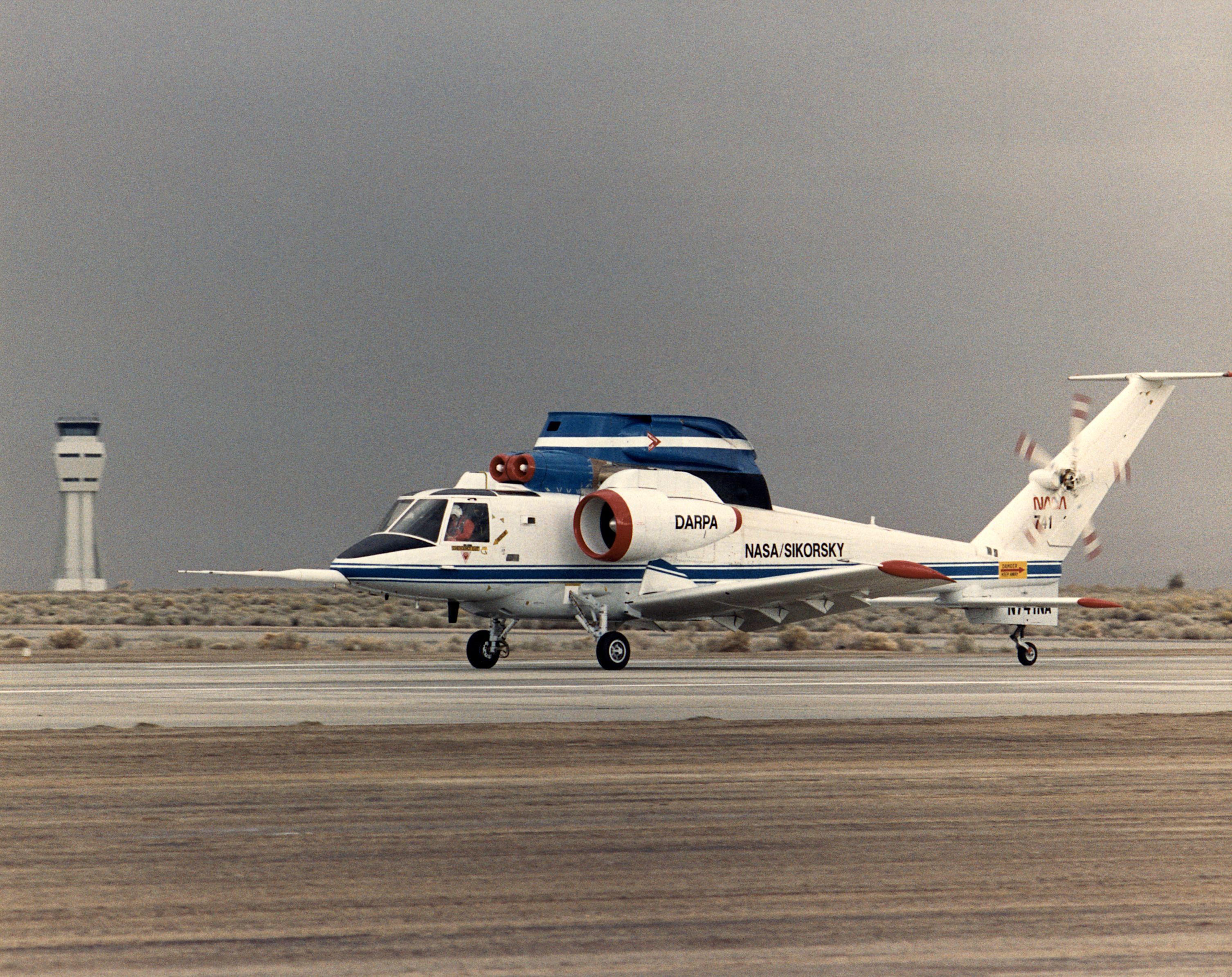 File:X-wing EC87-0271-001 NASA.jpg - Wikimedia Commons