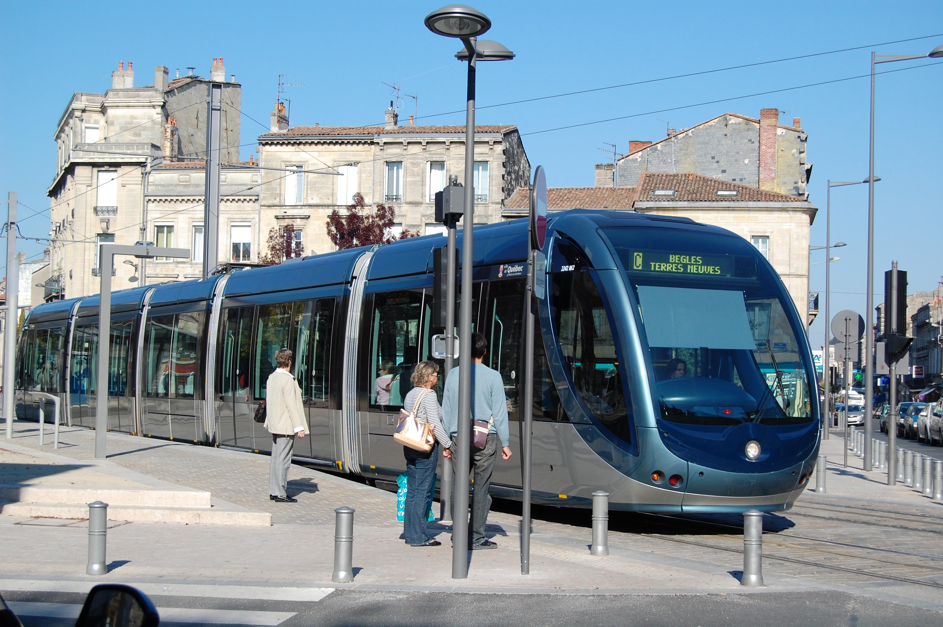 file xdsc 7591 tramway de bordeaux place paul wikimedia commons. Black Bedroom Furniture Sets. Home Design Ideas
