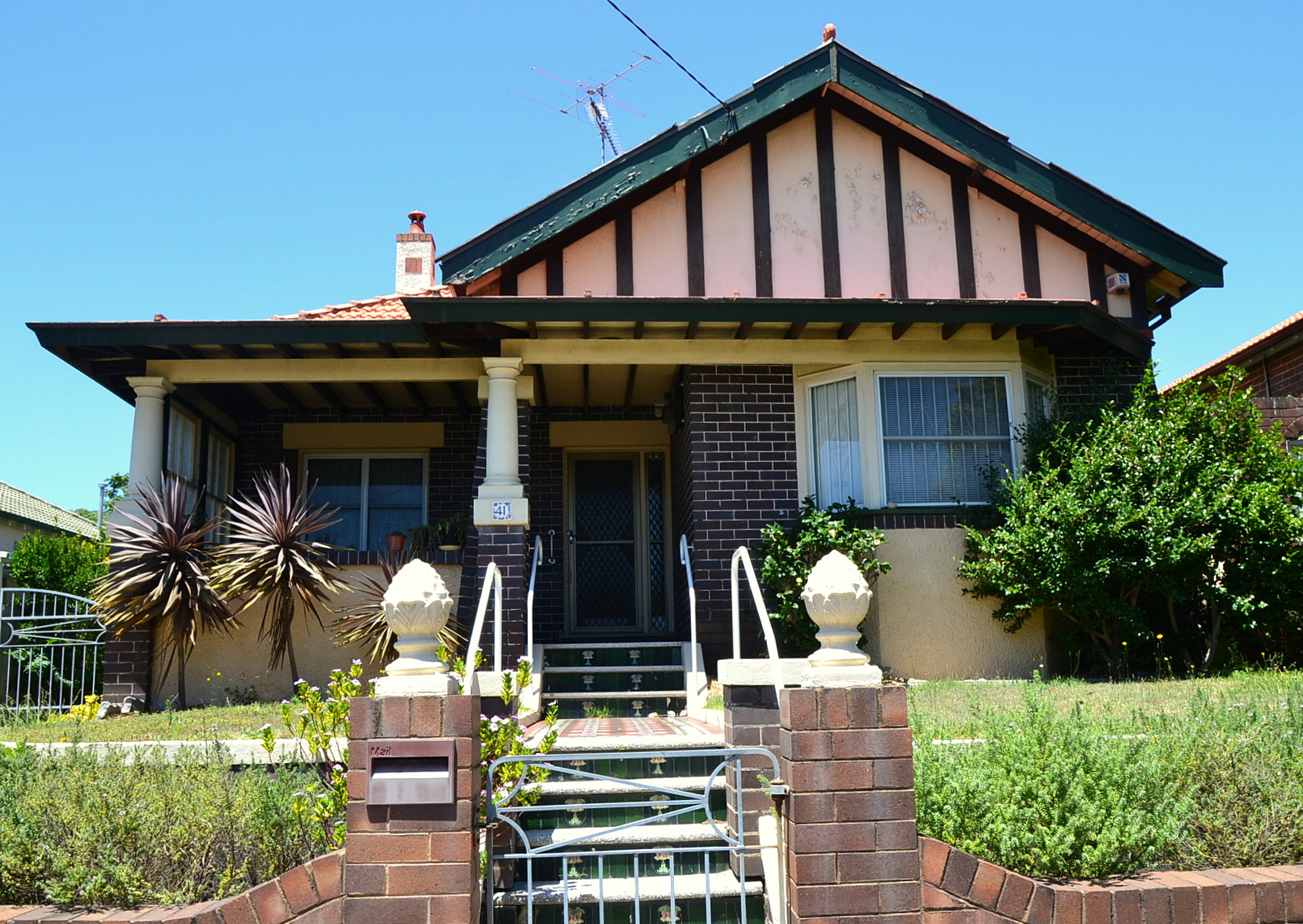 File:(1)California Bungalow Sydney-2.jpg - Wikimedia Commons