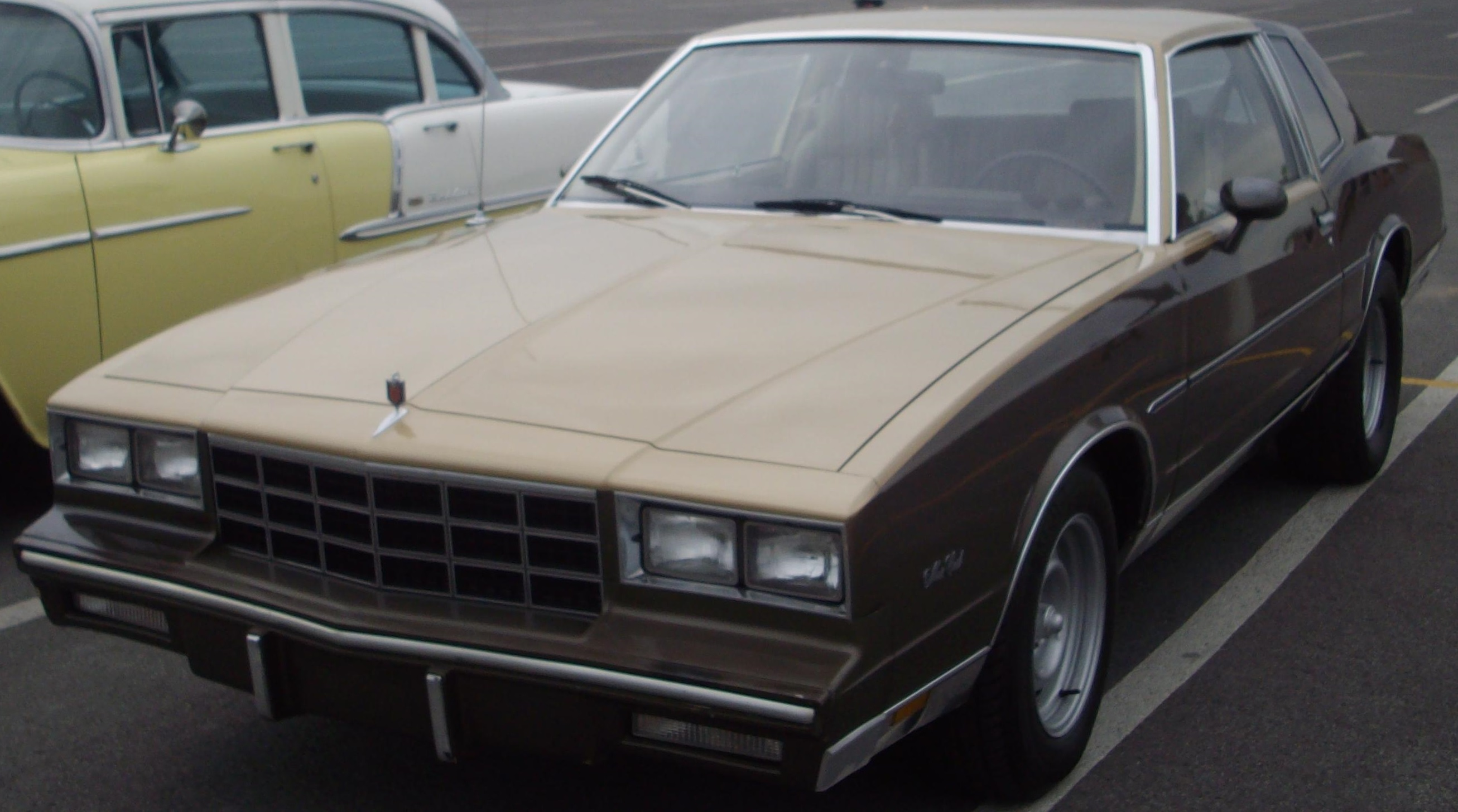 File 81 Chevrolet Monte Carlo Les Chauds Vendredis 12