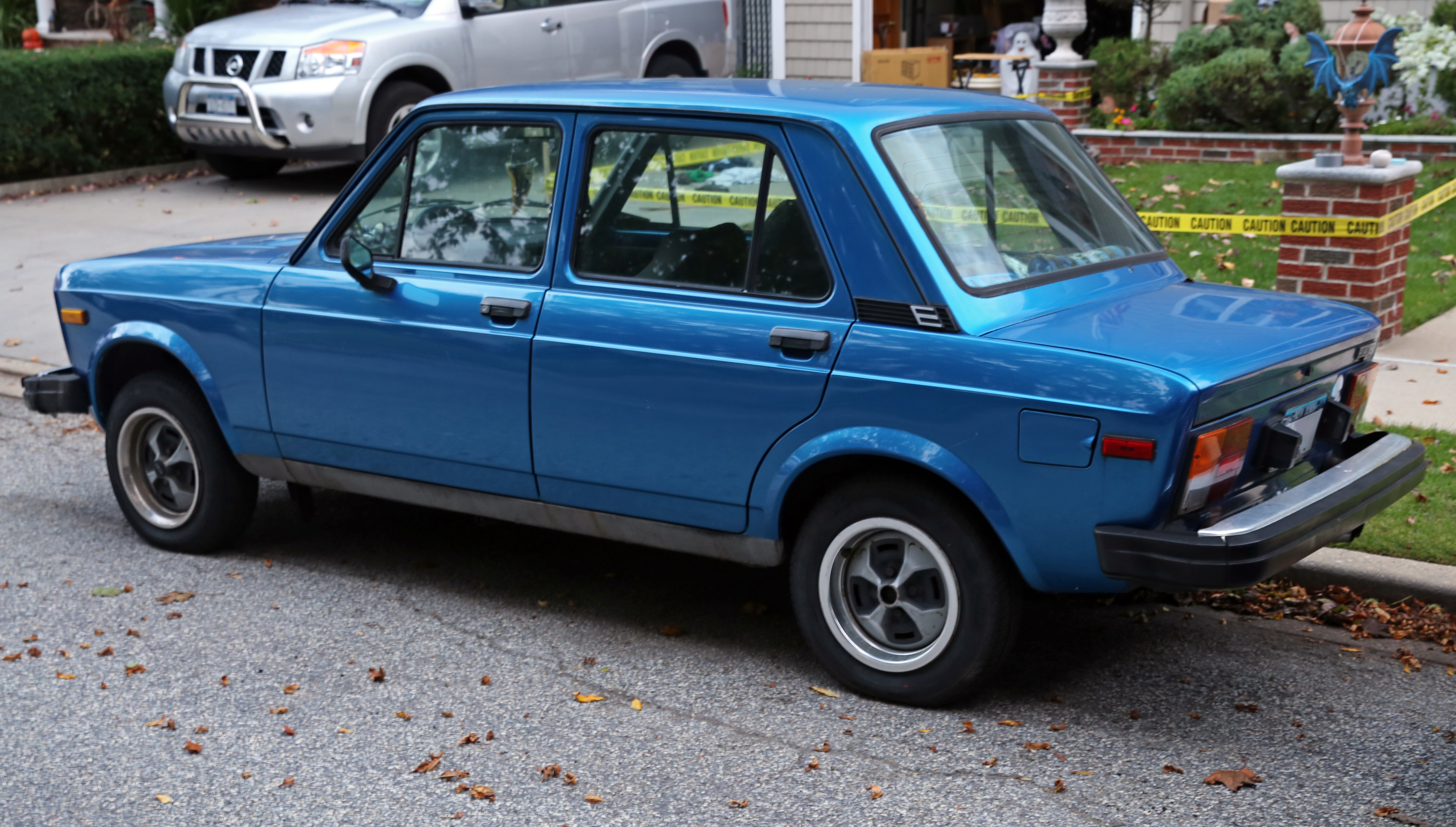 File 1973 Volkswagen Variant  Typ 3 1600  US   rear left in addition Ar68se 1 furthermore Farmpu03 furthermore Fiat 127 3rd series 1982 1983  5 Speed Special hatchback 3d   01   CB1 additionally Pootis Bird. on model 3 rear view