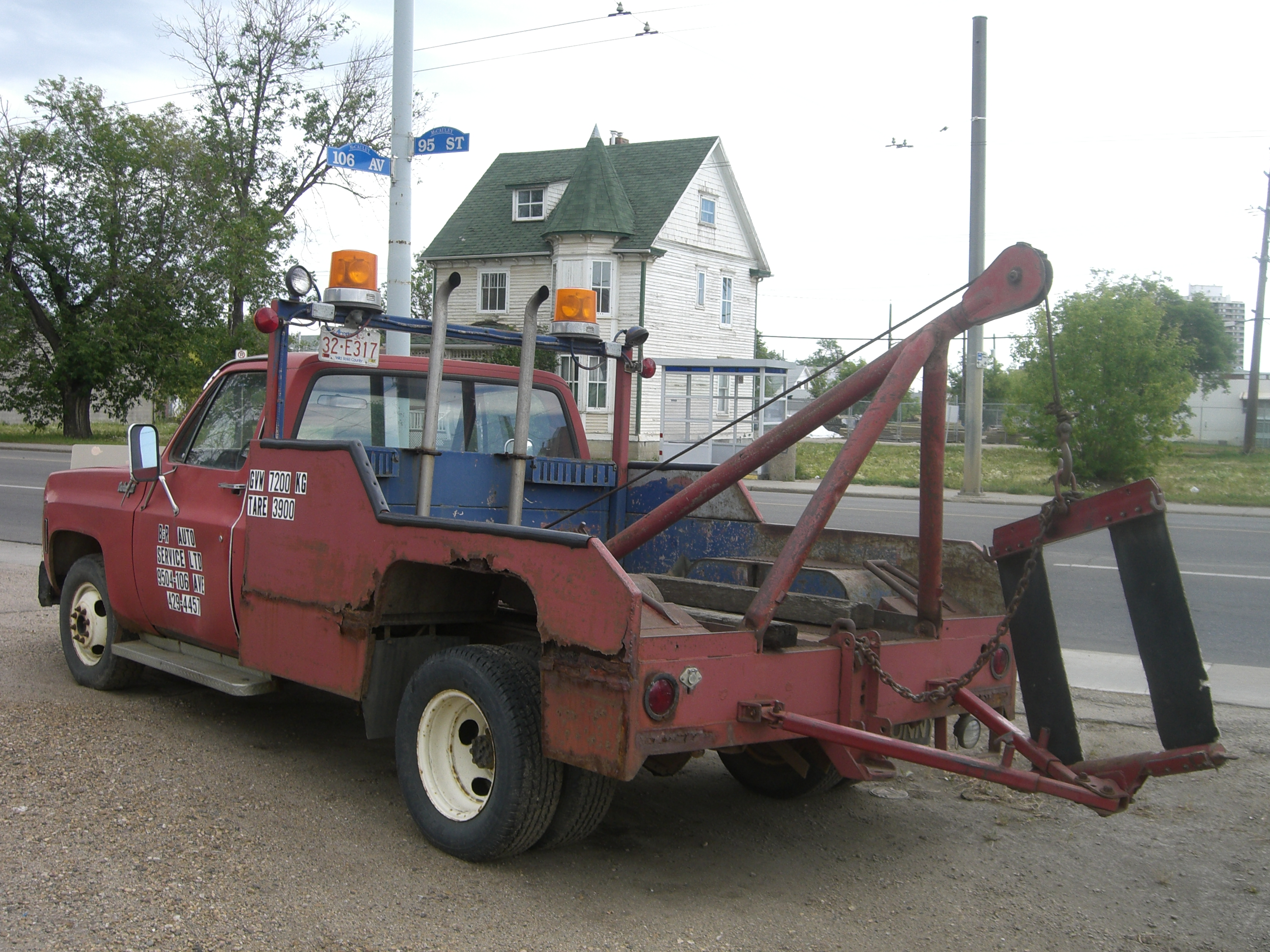 File 1980s Style Tow Truck Jpg Wikimedia Commons