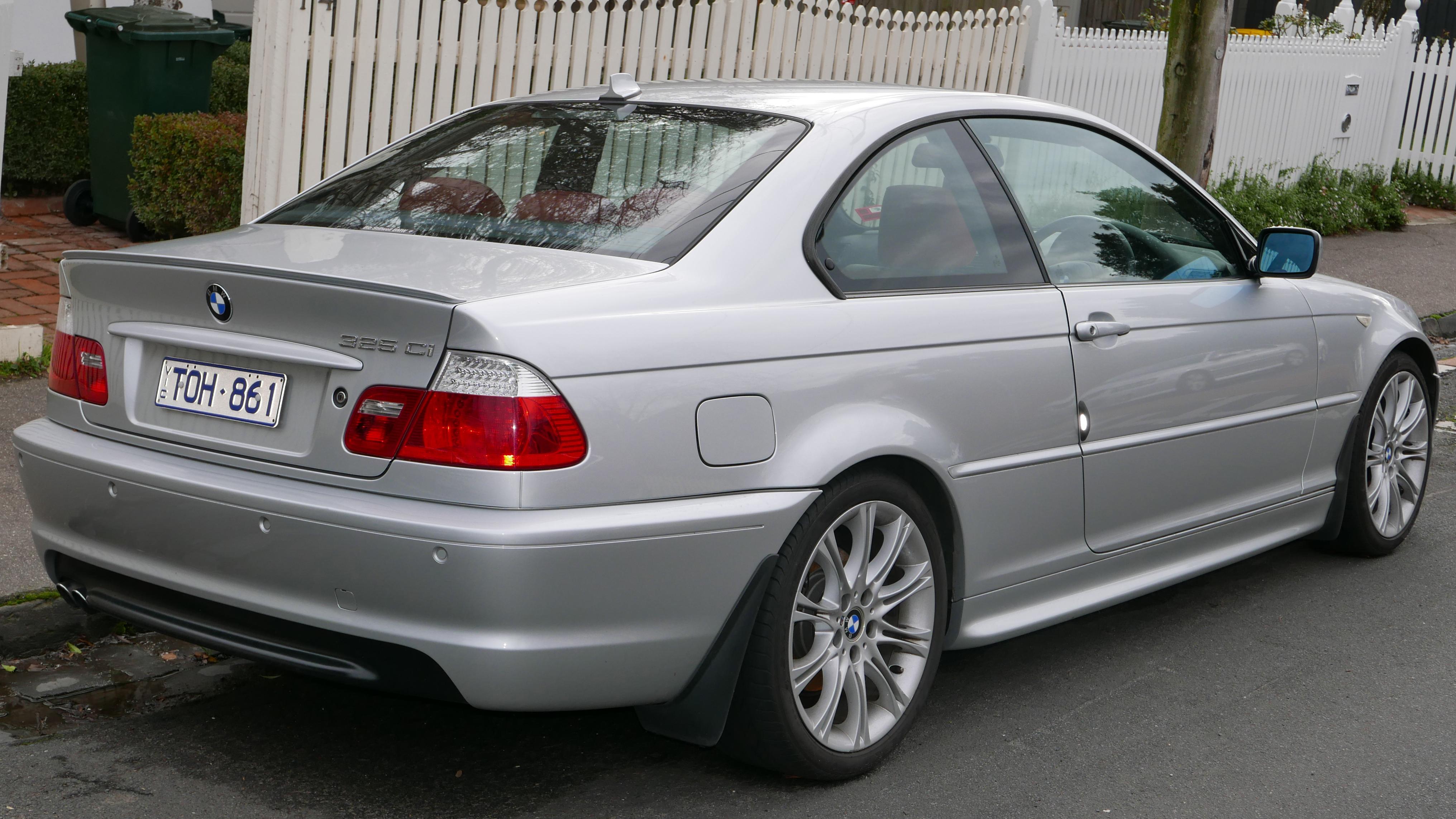 File:2004 BMW 325Ci (E46 MY04.5) Sport coupe (2015-07-24) 02 ...