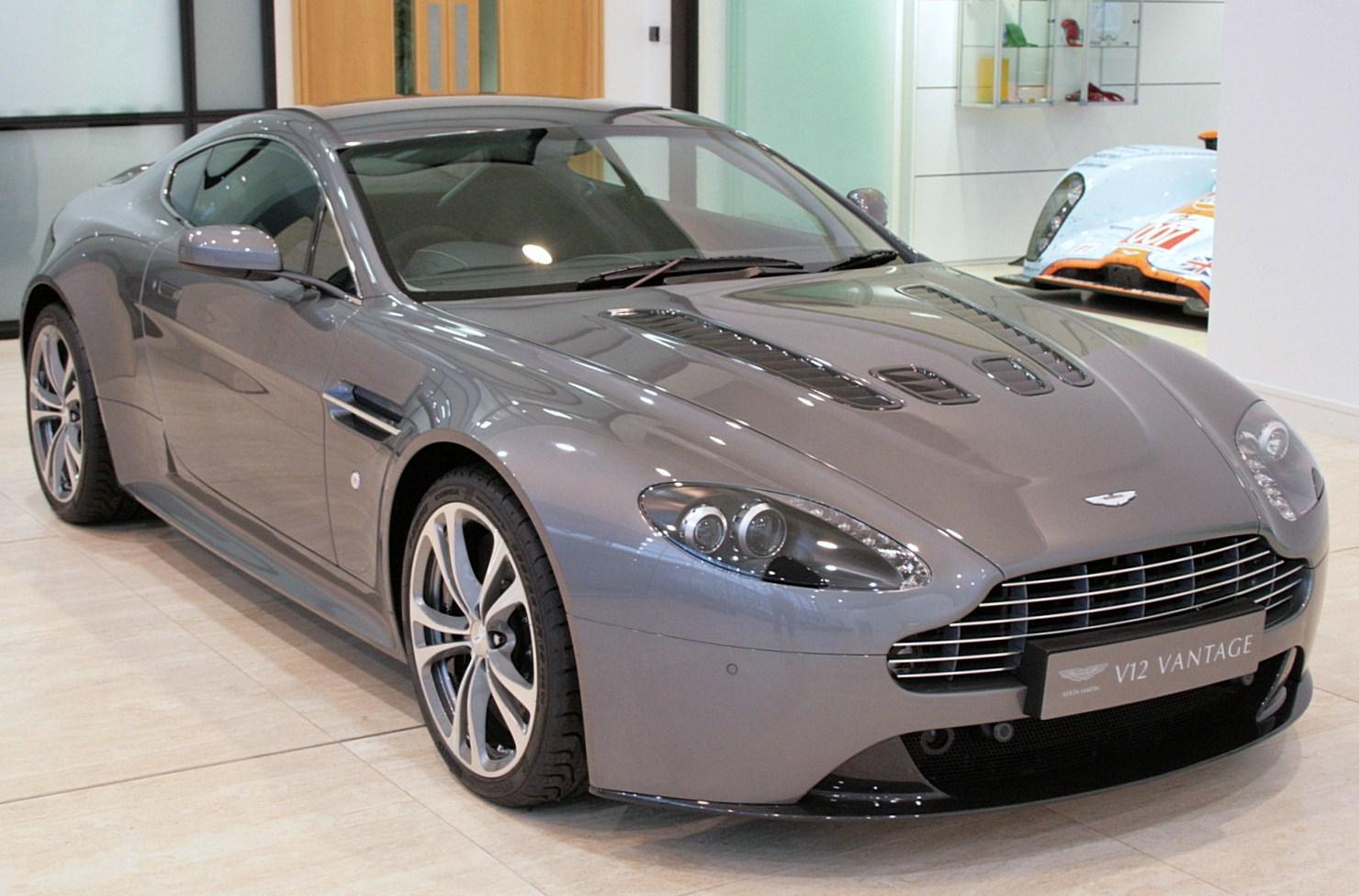 Datei:8-8-8 Grey Aston Martin V8 Vantage.jpg – Wikipedia | 2009 aston martin v8 vantage
