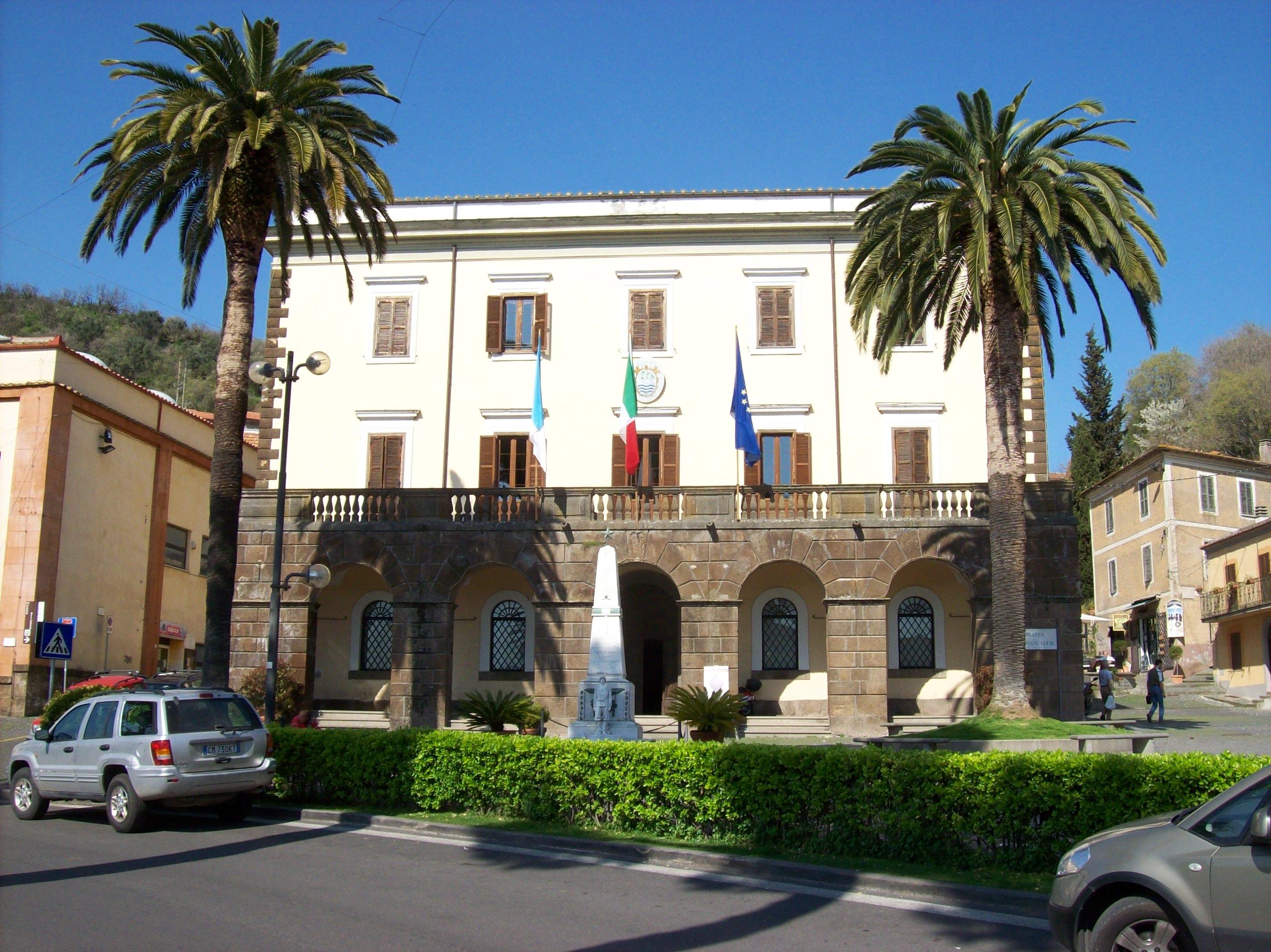Matrimonio Comune Trevignano Romano : File trevignano palazzo comunale e museo civico