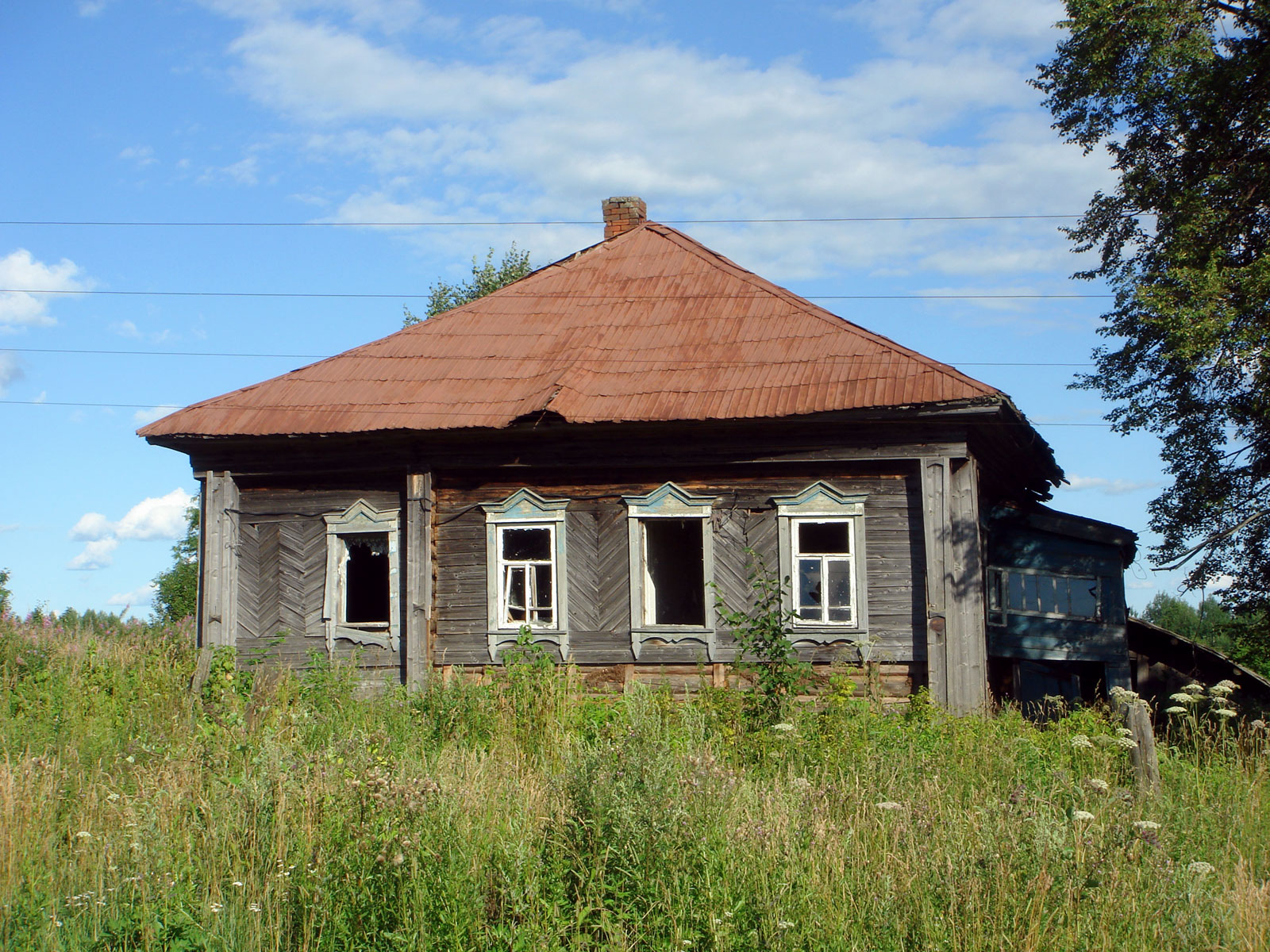 File abandoned house in wikimedia commons - The house in the abandoned school ...