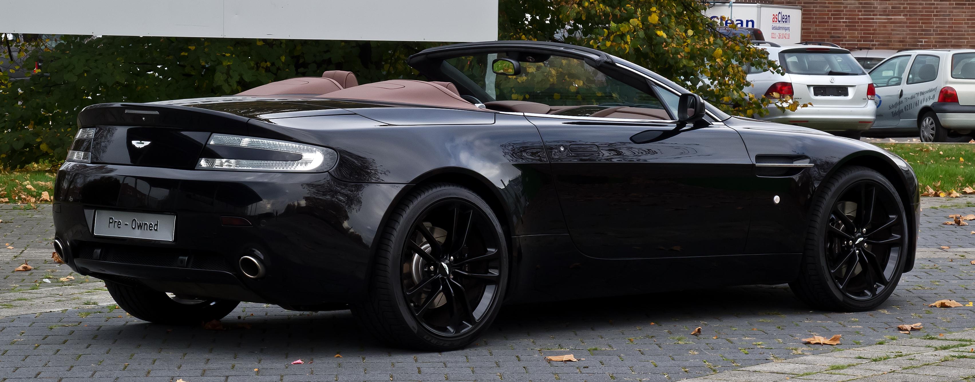 File:Aston Martin V8 Vantage Roadster (Facelift) – Heckansicht, 26. Oktober 2012, Düsseldorf.jpg ...
