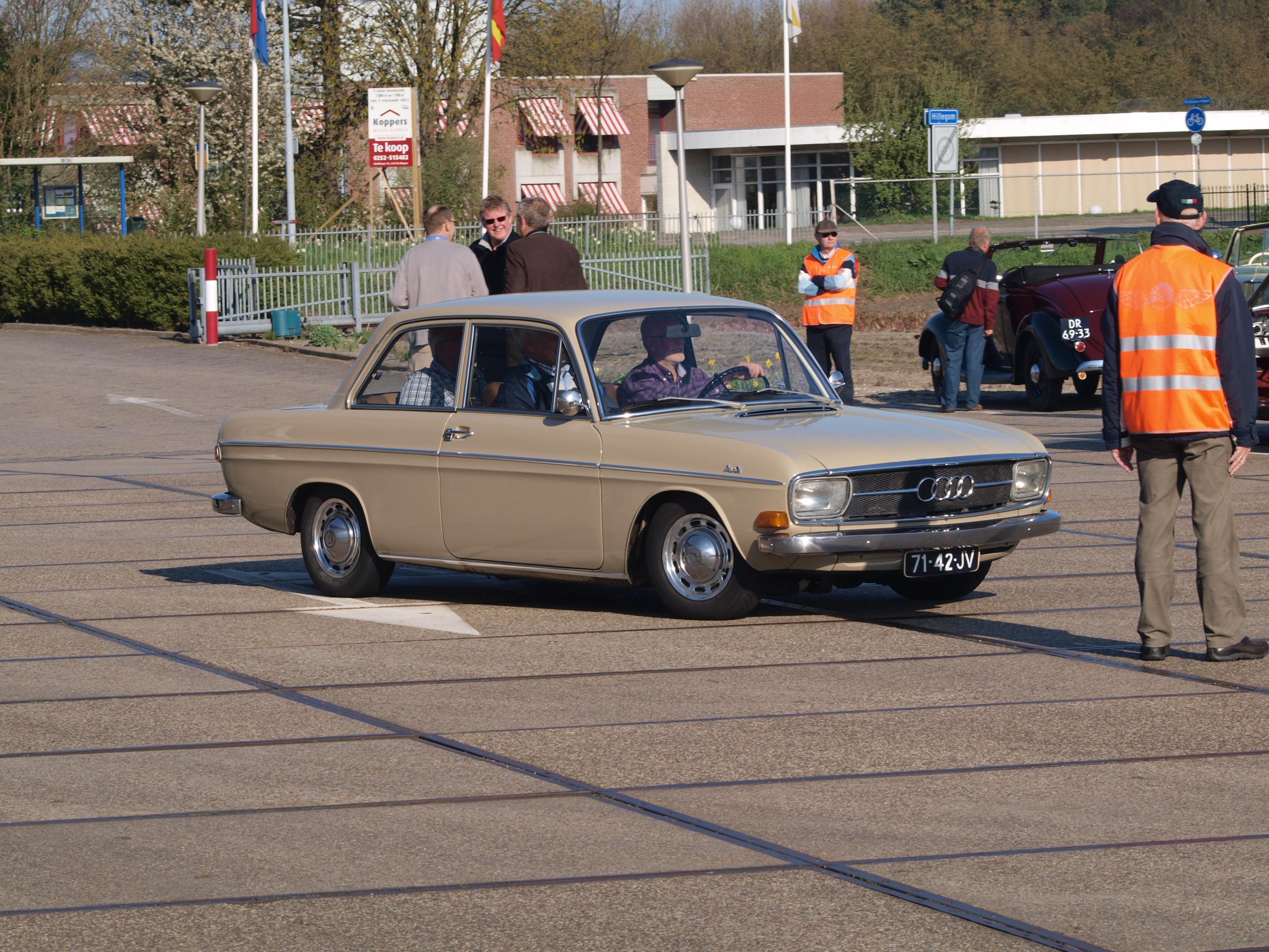 File:Audi 60 L (1969) licence 71-42-JV pic2.JPG ...