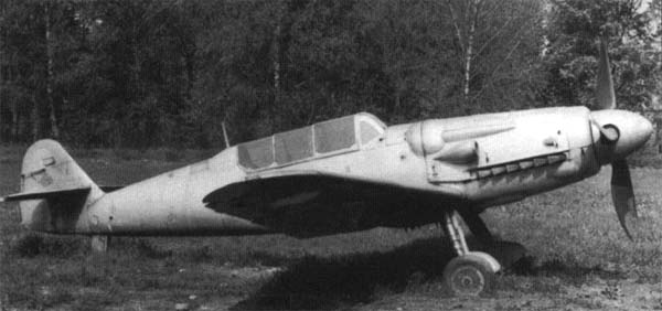 ファイル:Avia CS-199 Trainer.jpg