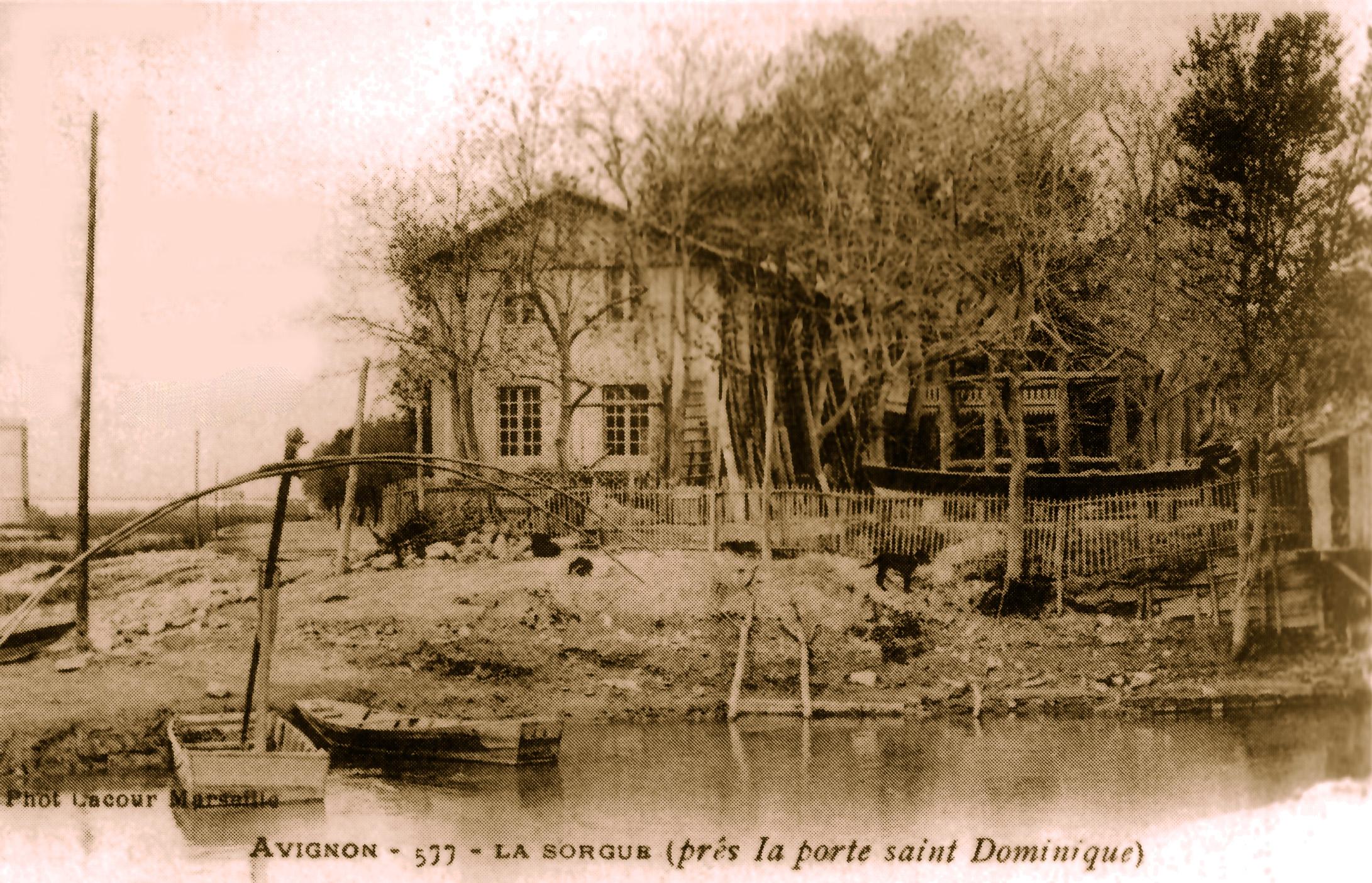 File avignon la sorgue pr s de la porte saint wikimedia commons - Porte saint dominique avignon ...