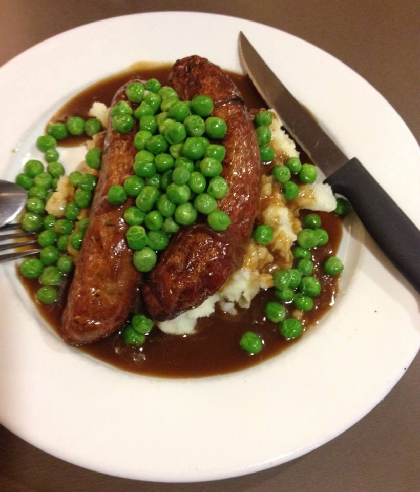 File:Bangers and mash with peas.jpg - Wikimedia Commons