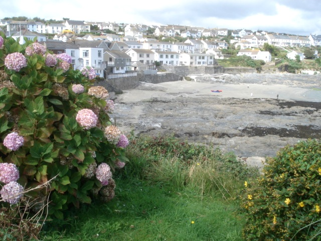 File:Beach at Portscatho - geograph.org.uk - 561805.jpg