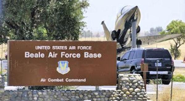File:Beale-afb-main-gate-sign.jpg