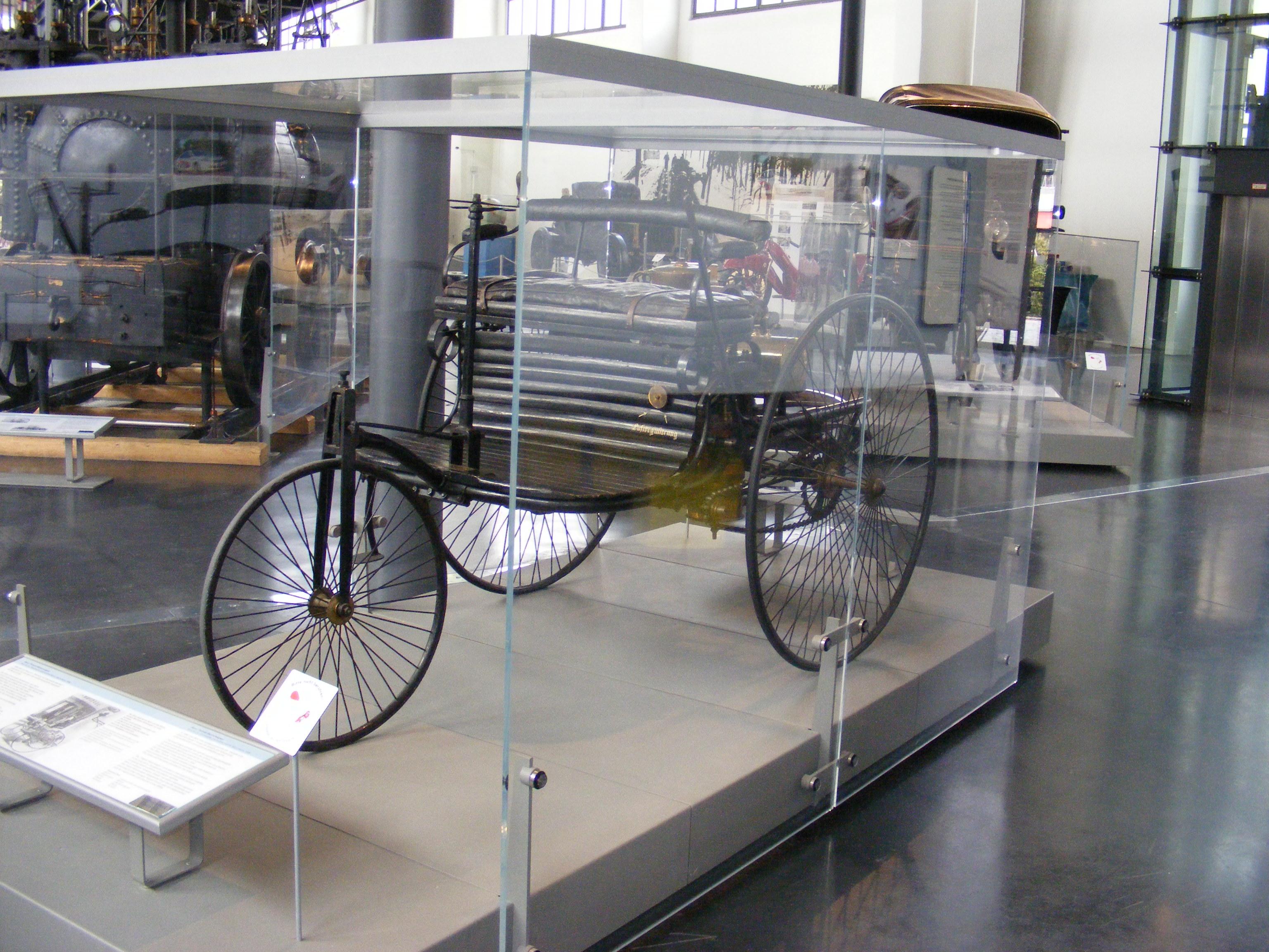 file benz patent motorwagen nummer 1 d m verkehrszentrum jpg wikimedia commons. Black Bedroom Furniture Sets. Home Design Ideas