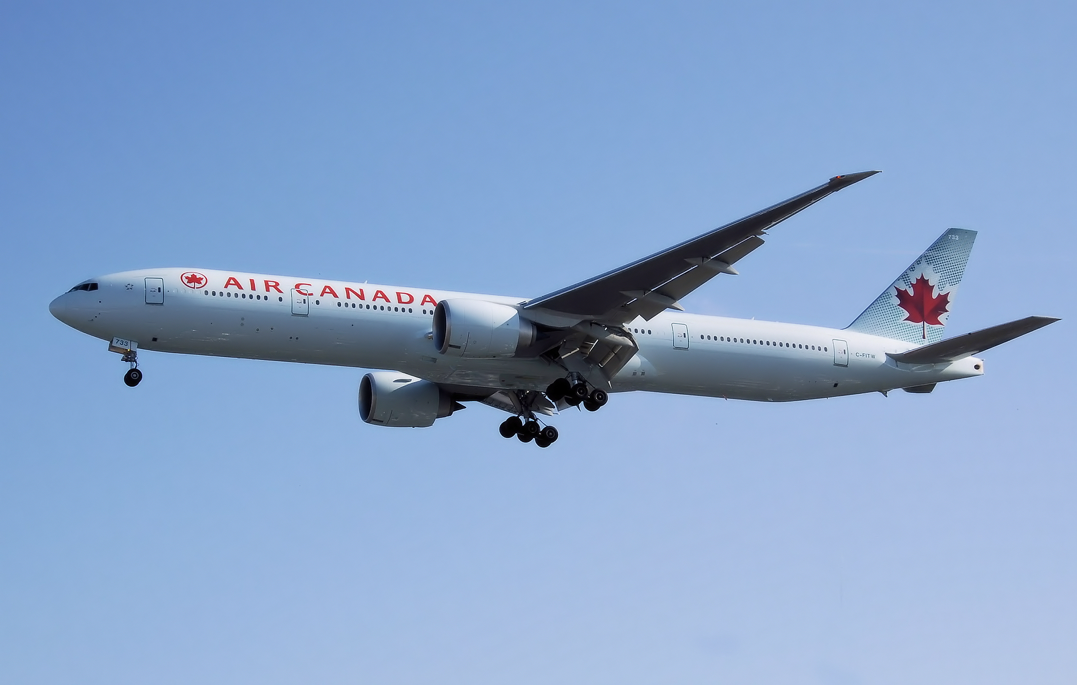 File boeing 777 300 air canada c wikimedia for Interieur boeing 777