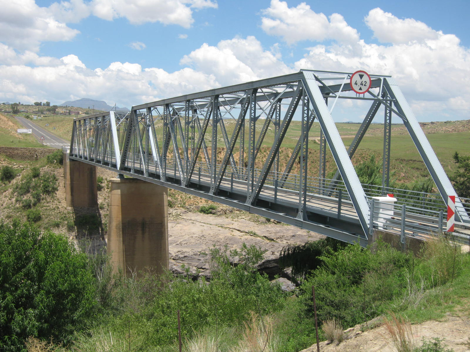File:bridge Over Orange Rive