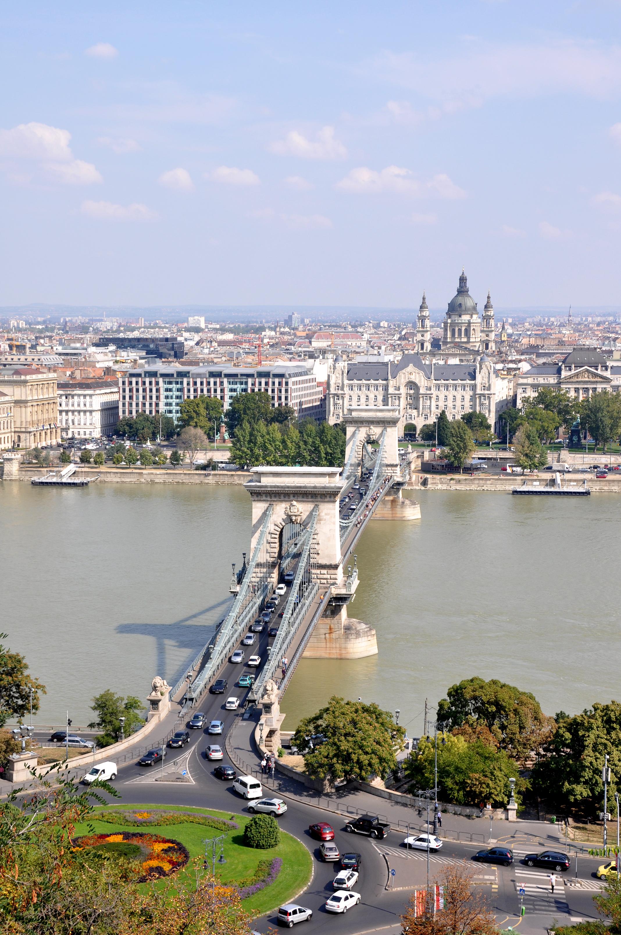 File Budapest Szechenyi Lanchid R01 Jpg Wikimedia Commons
