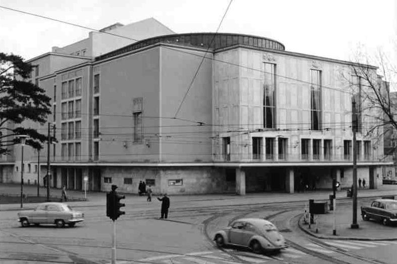 Die sanierungsbedürftige Oper Düsseldorf