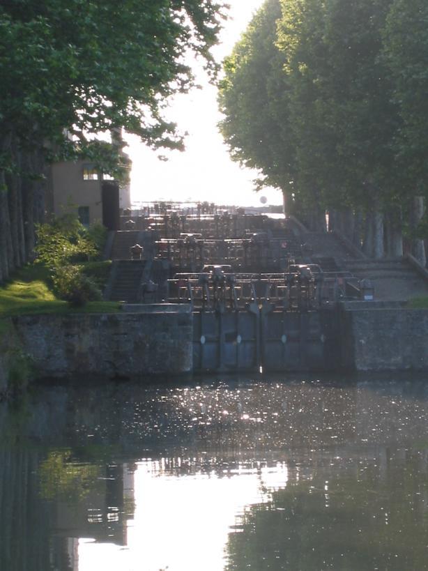 Canal du Midi Schleussen bei Castelnaudary.jpg