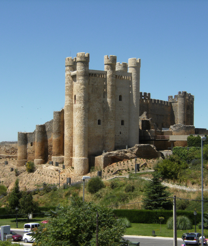File castillo de los acu a en valencia de don for Piscinas leon valencia don juan