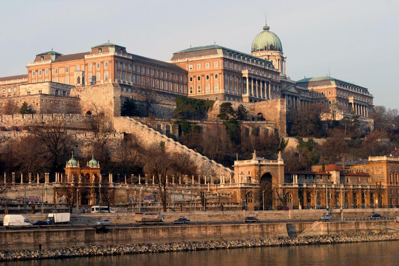 File Castle Hill Budapest Jpg Wikimedia Commons