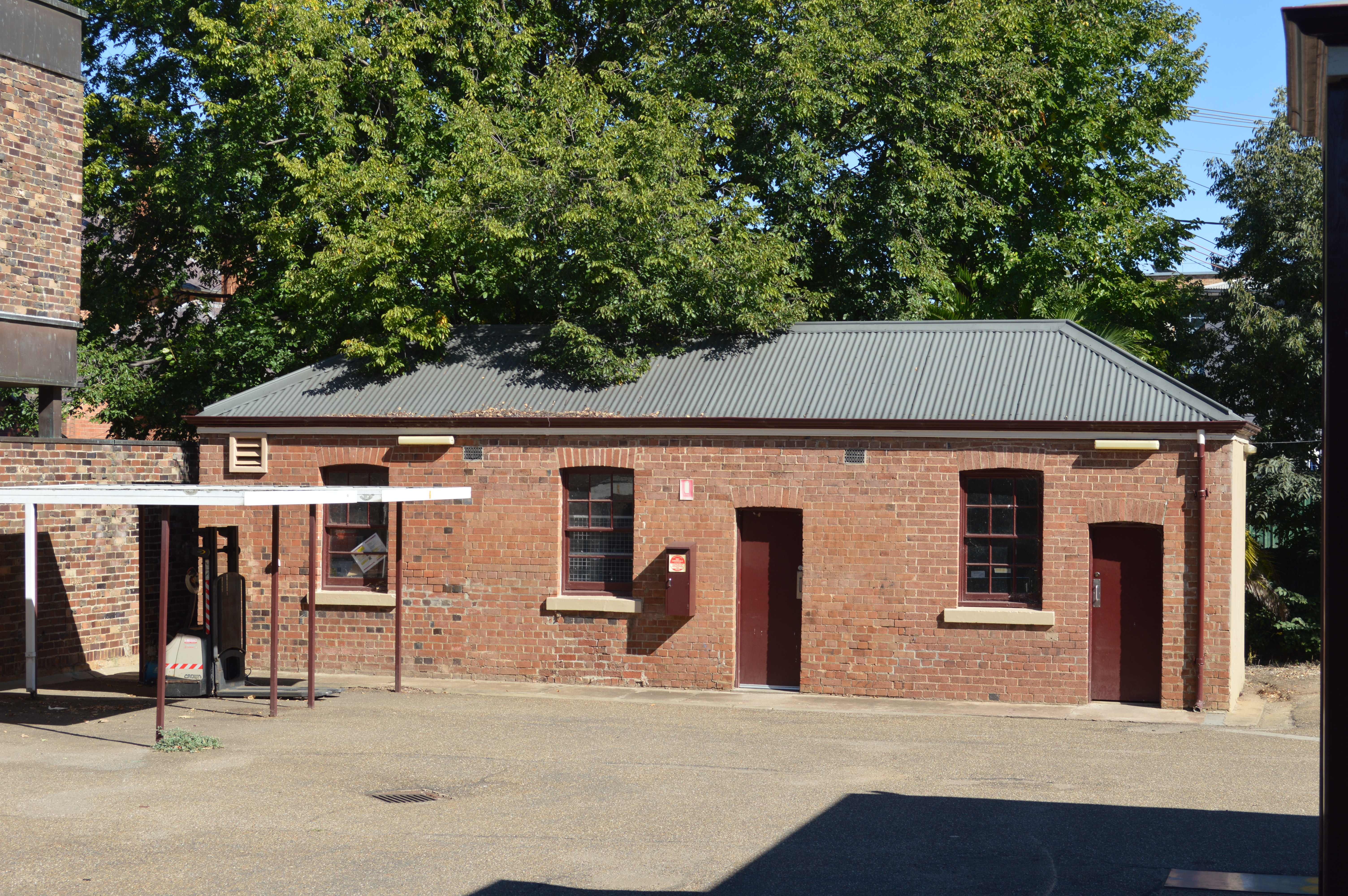 File:Cootamundra Post Office Outbuilding 001.JPG