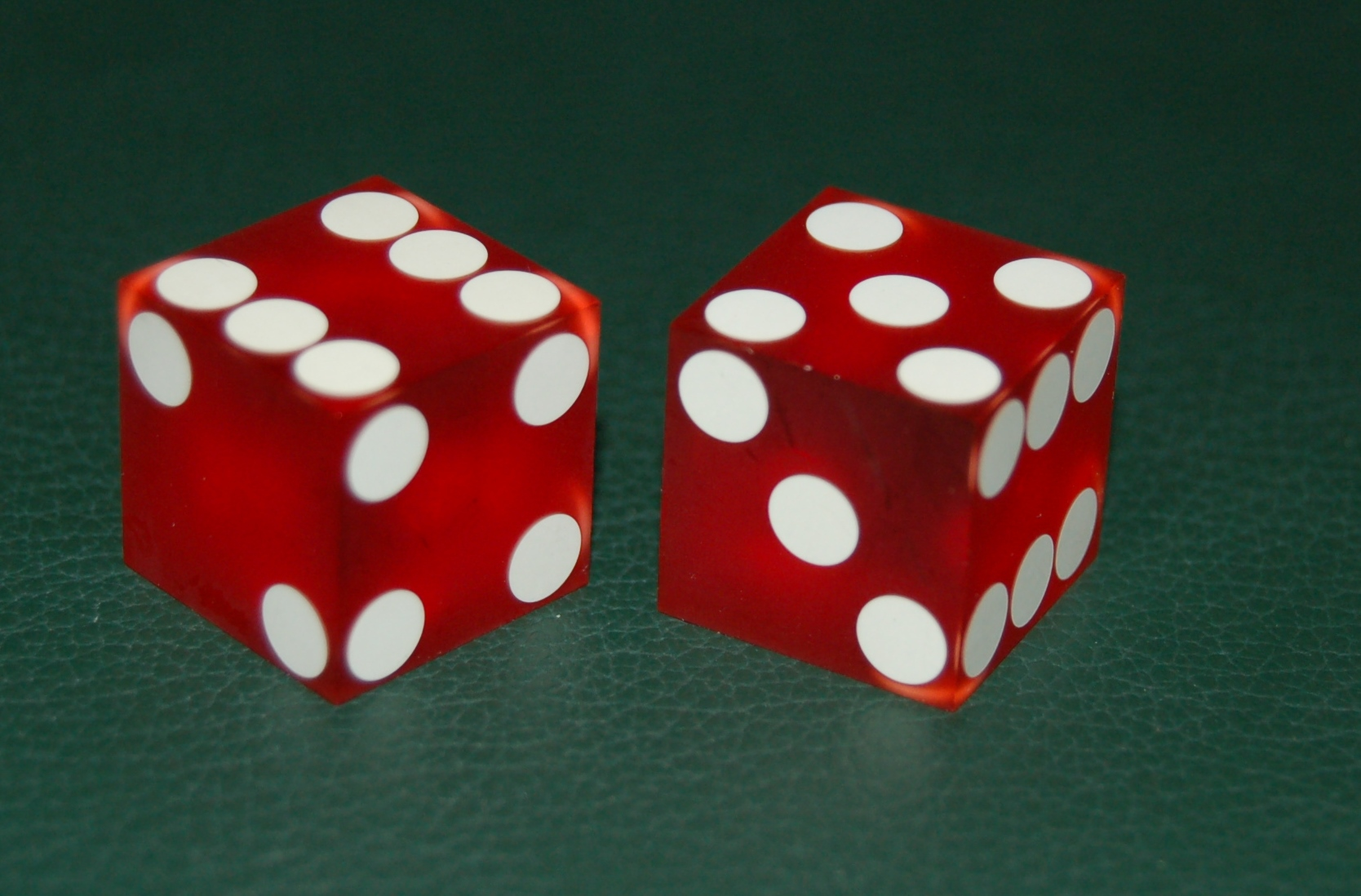 How to roll the dice in craps