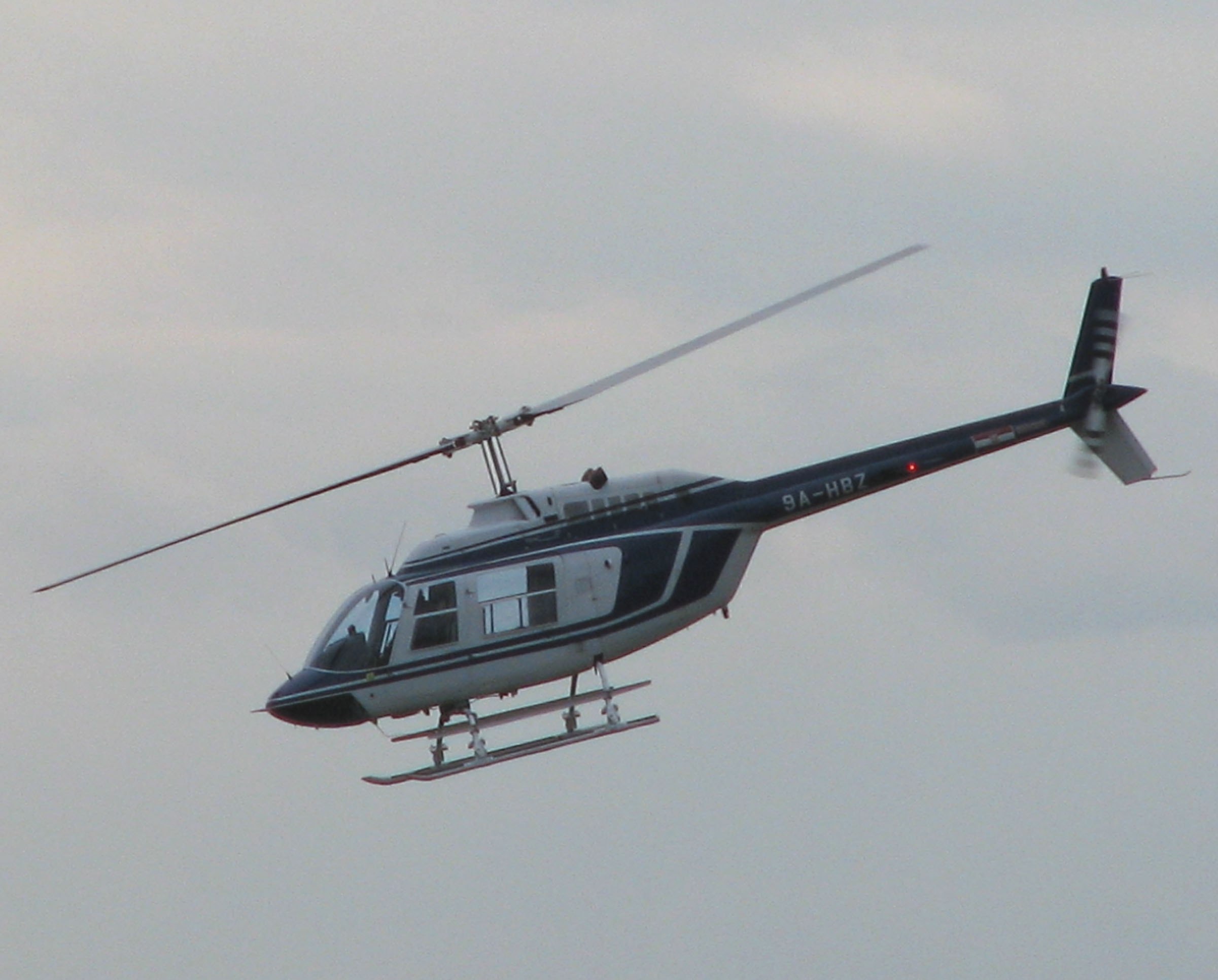 Croatian_police_helicopter_Bell_206_B.jpg