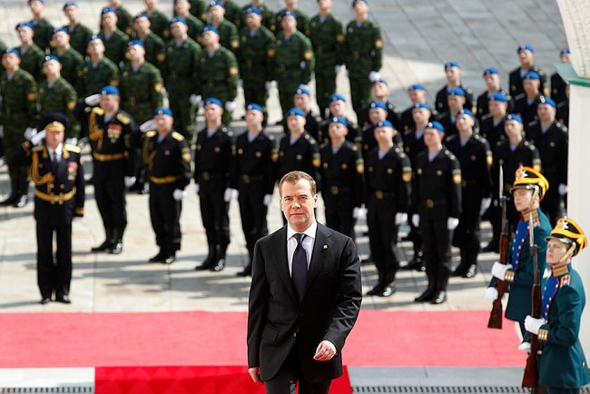Dmitry Medvedev 7 May 2012-1.jpeg