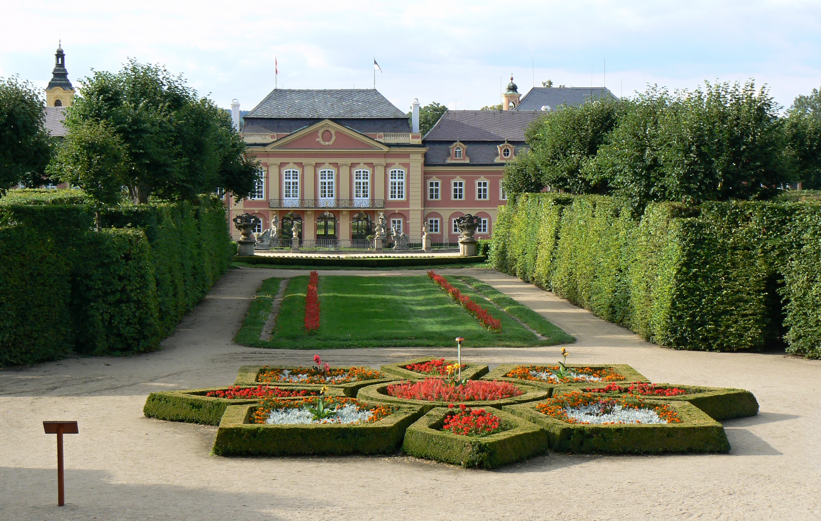 File dob chateau and french park 5 jpg wikimedia for Jardin 5 thoiry