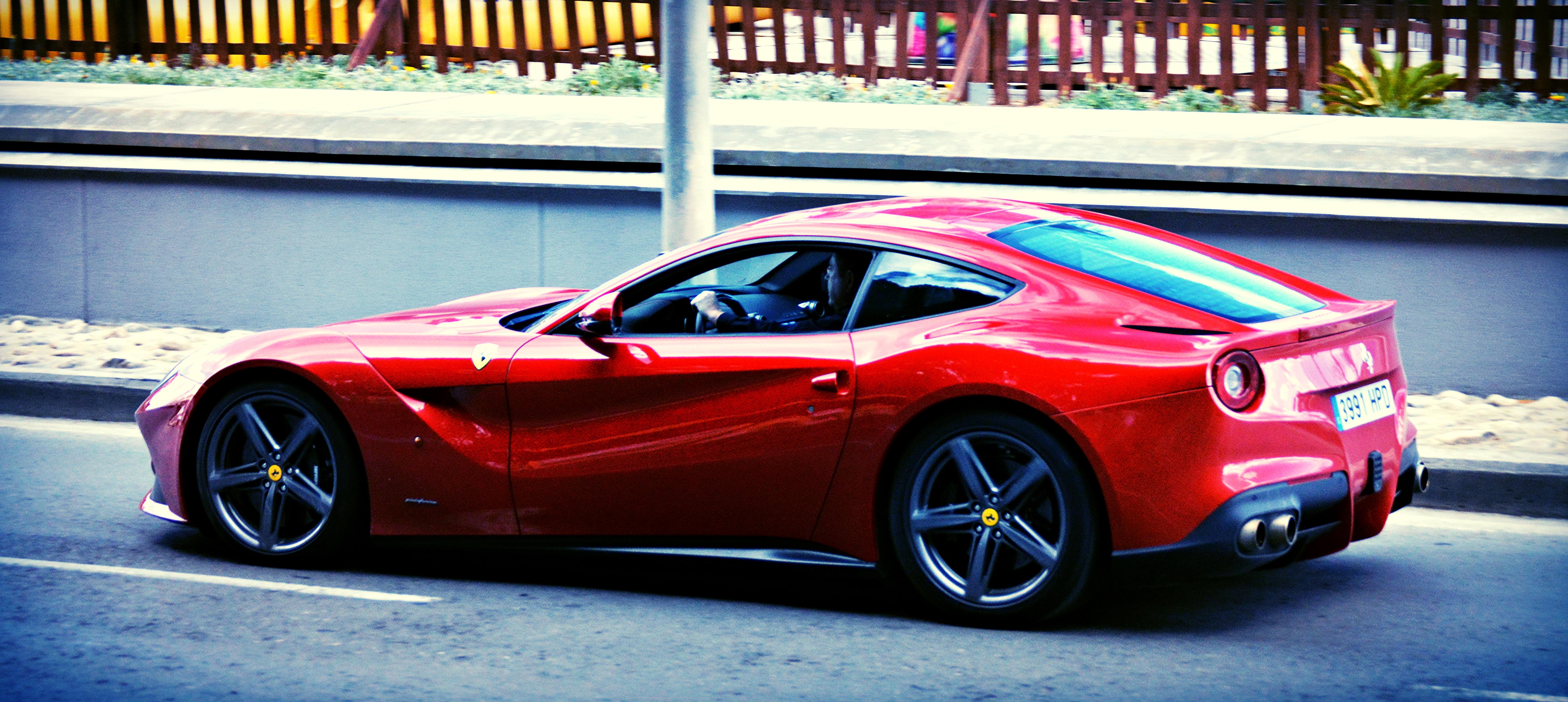 File:Ferrari F12 Berlinetta (26423008886).jpg - Wikimedia Commons