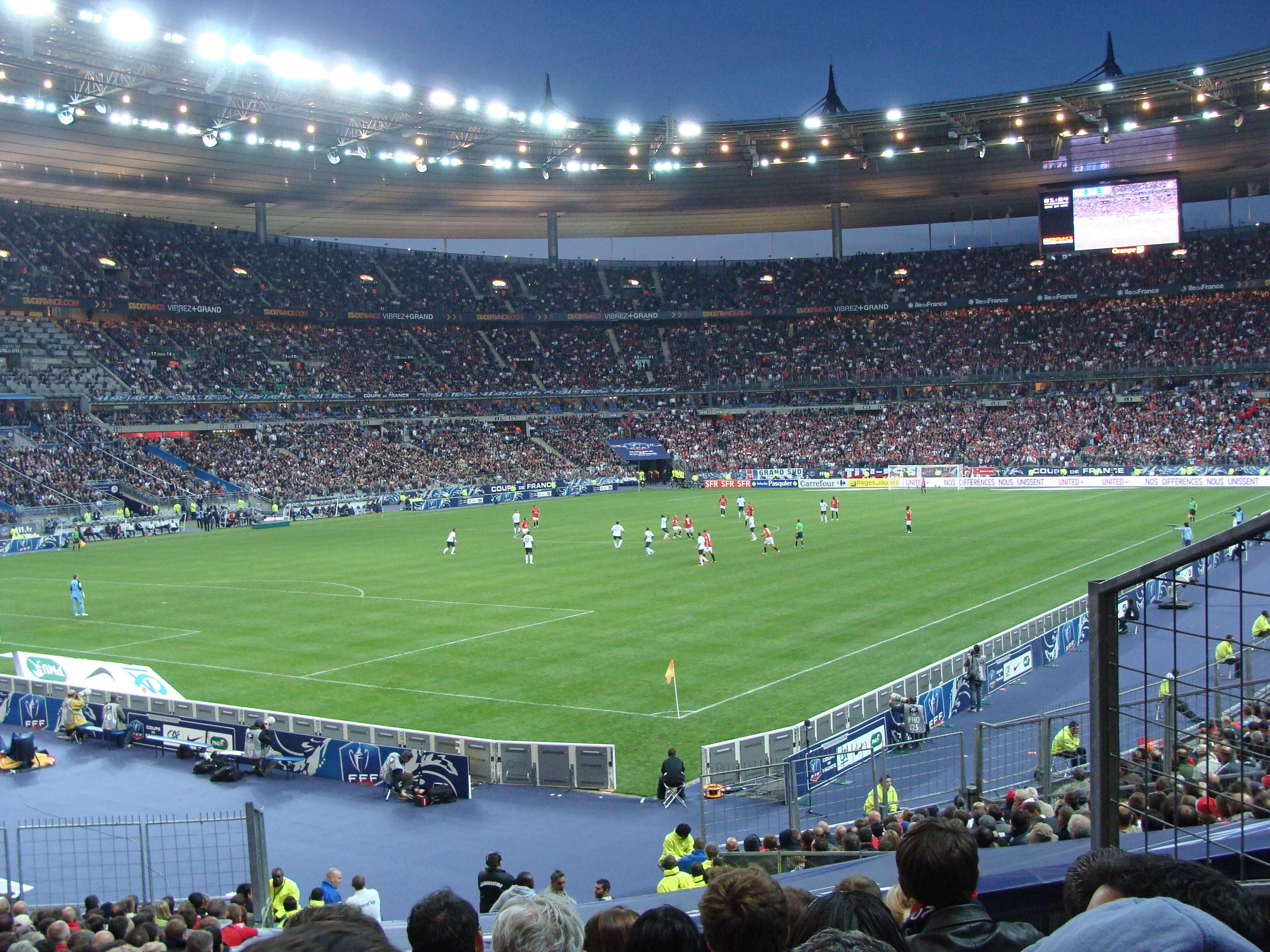 Nella foto: Stade de France situato a Saint-Denis (a poca distanza da Parigi)