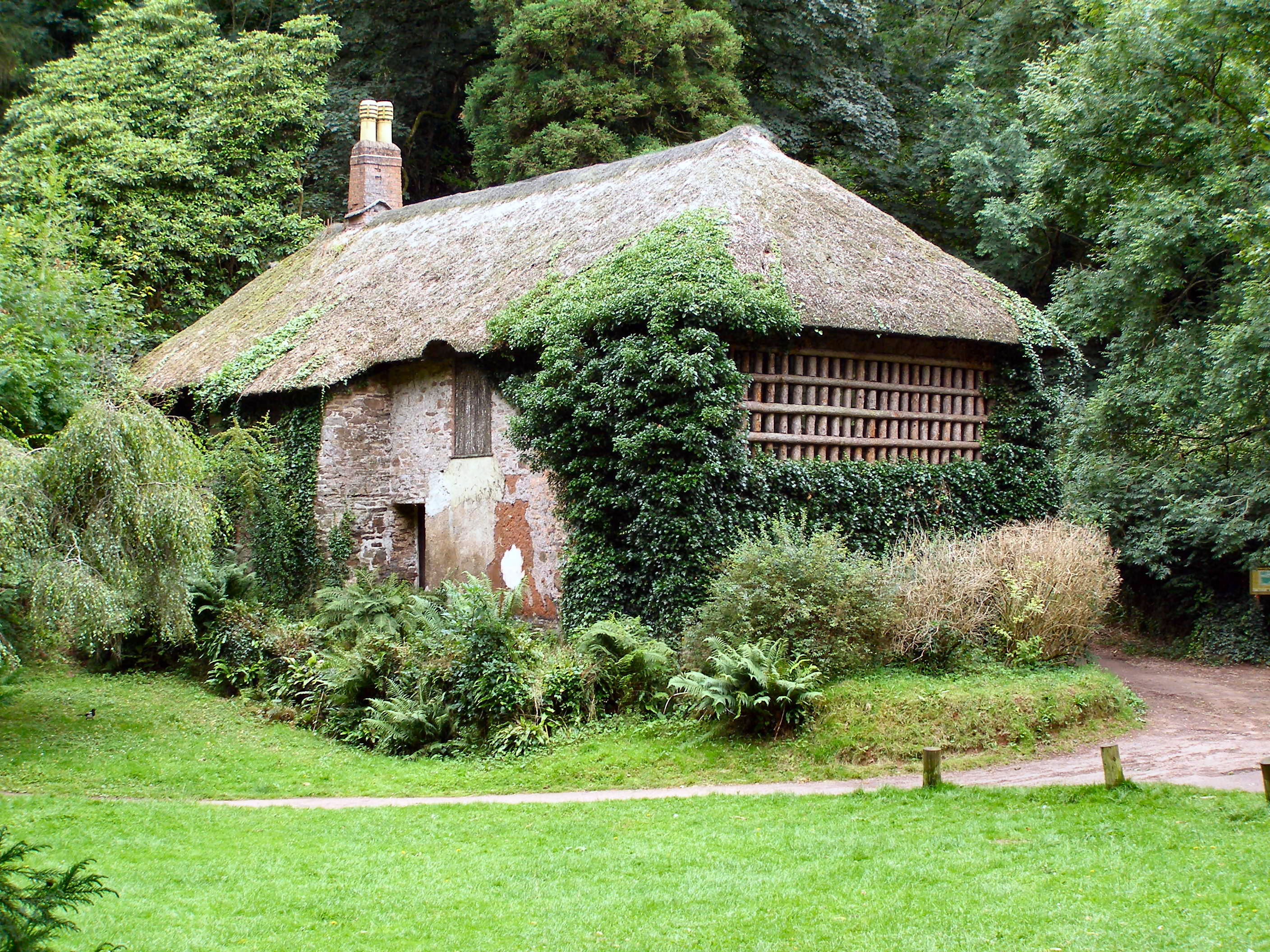 File Gamekeeper S Cottage Manscombe Woods Geograph Org