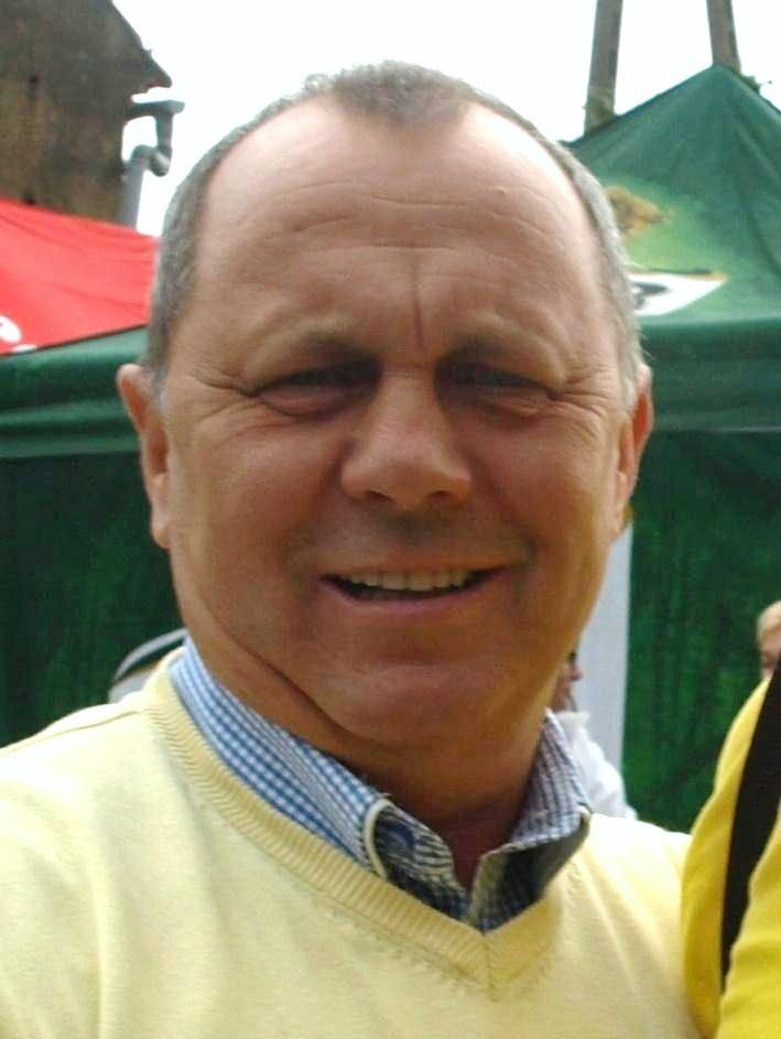 https://upload.wikimedia.org/wikipedia/commons/3/32/Grzegorz_Stasiak.jpg