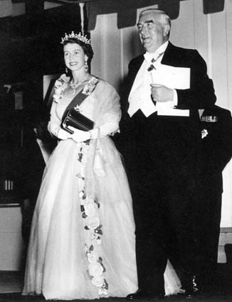 Menzies hosting a royal visit of Queen Elizabeth II HMQ and R Menzies.jpg