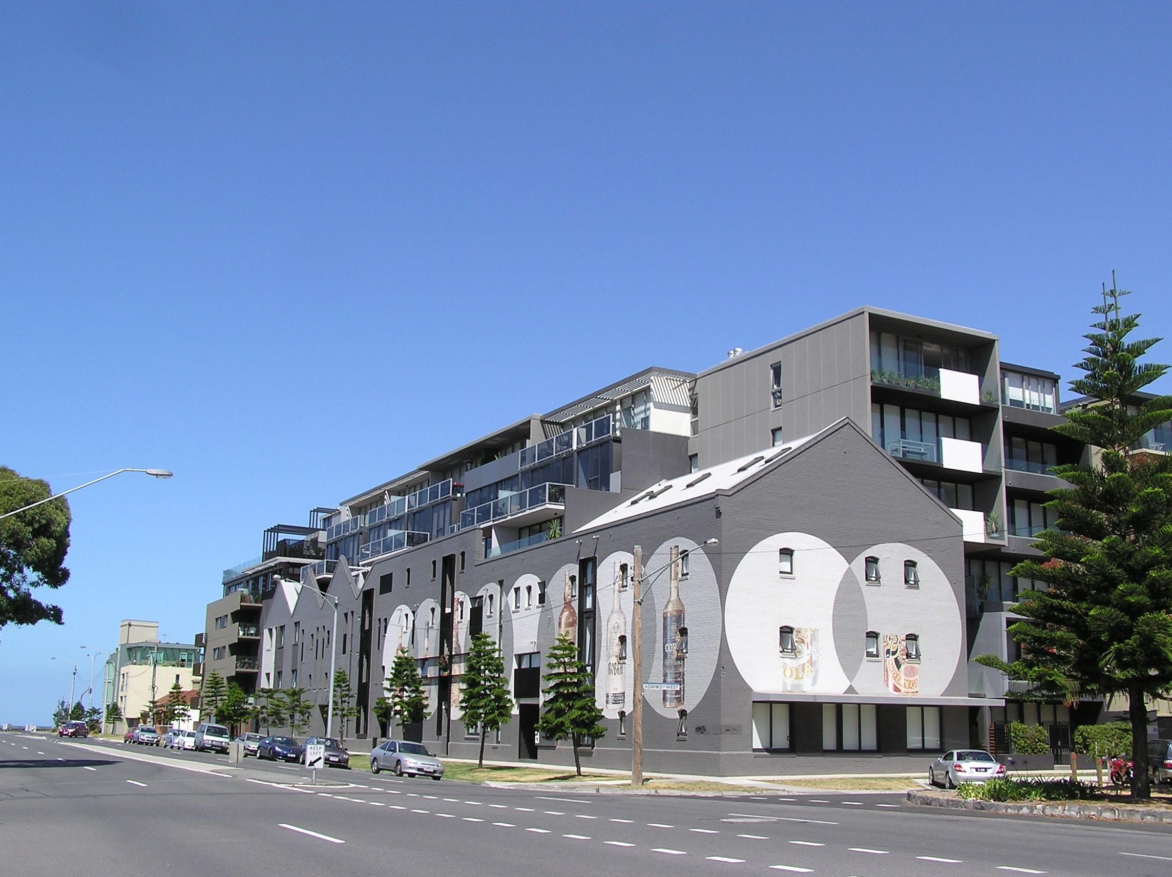 FileHeritage Warehouse Apartment in Port Melbournejpg