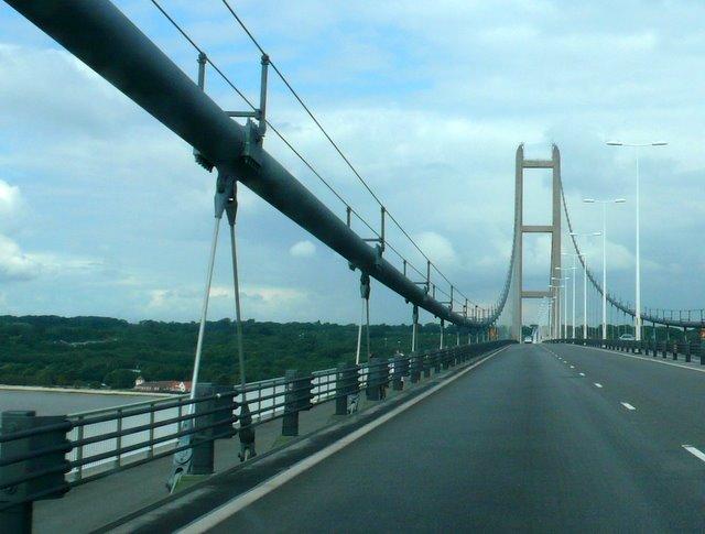 Humber Bridge - geograph.org.uk - 945562
